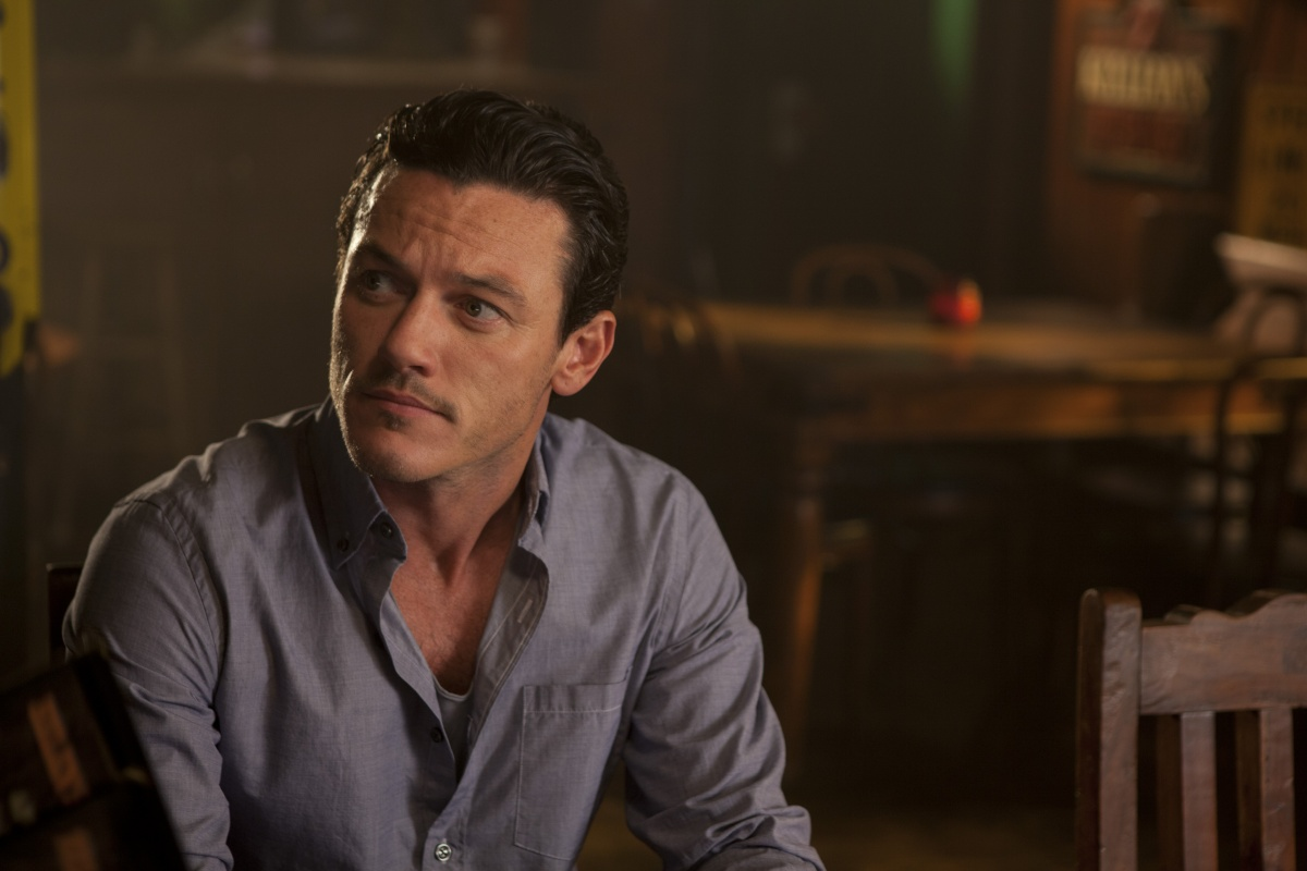 Luke Evans Wallpaper AMBWallpapers 1200x800