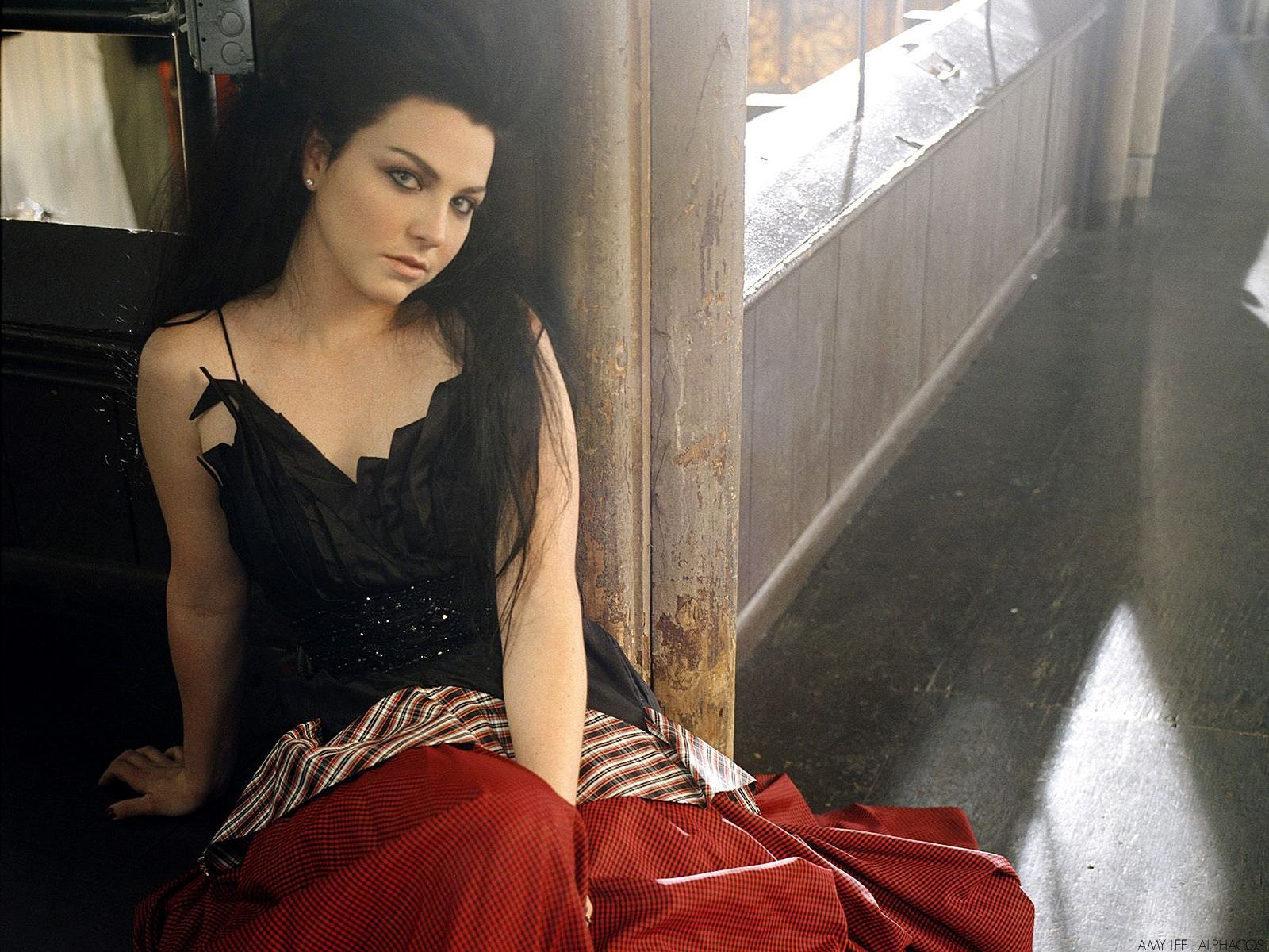 Amy Lee images amy Lee HD wallpaper and background photos 17285110 1600x1200