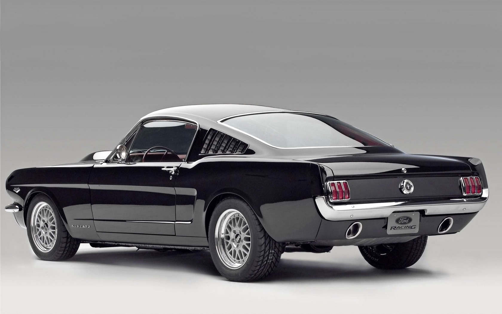Ford Mustang desktop wallpaper 1680x1050