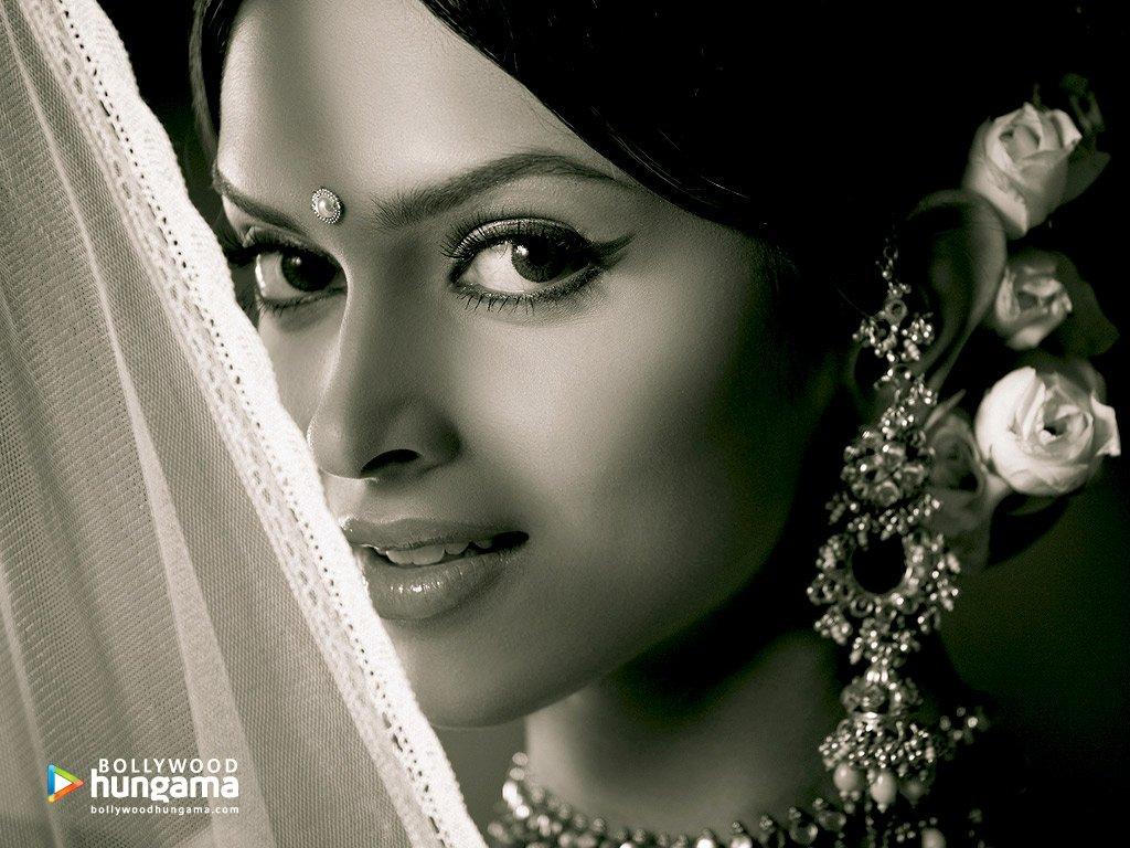 Deepika Padukone Om Shanti Om   wallpaper 1024x768