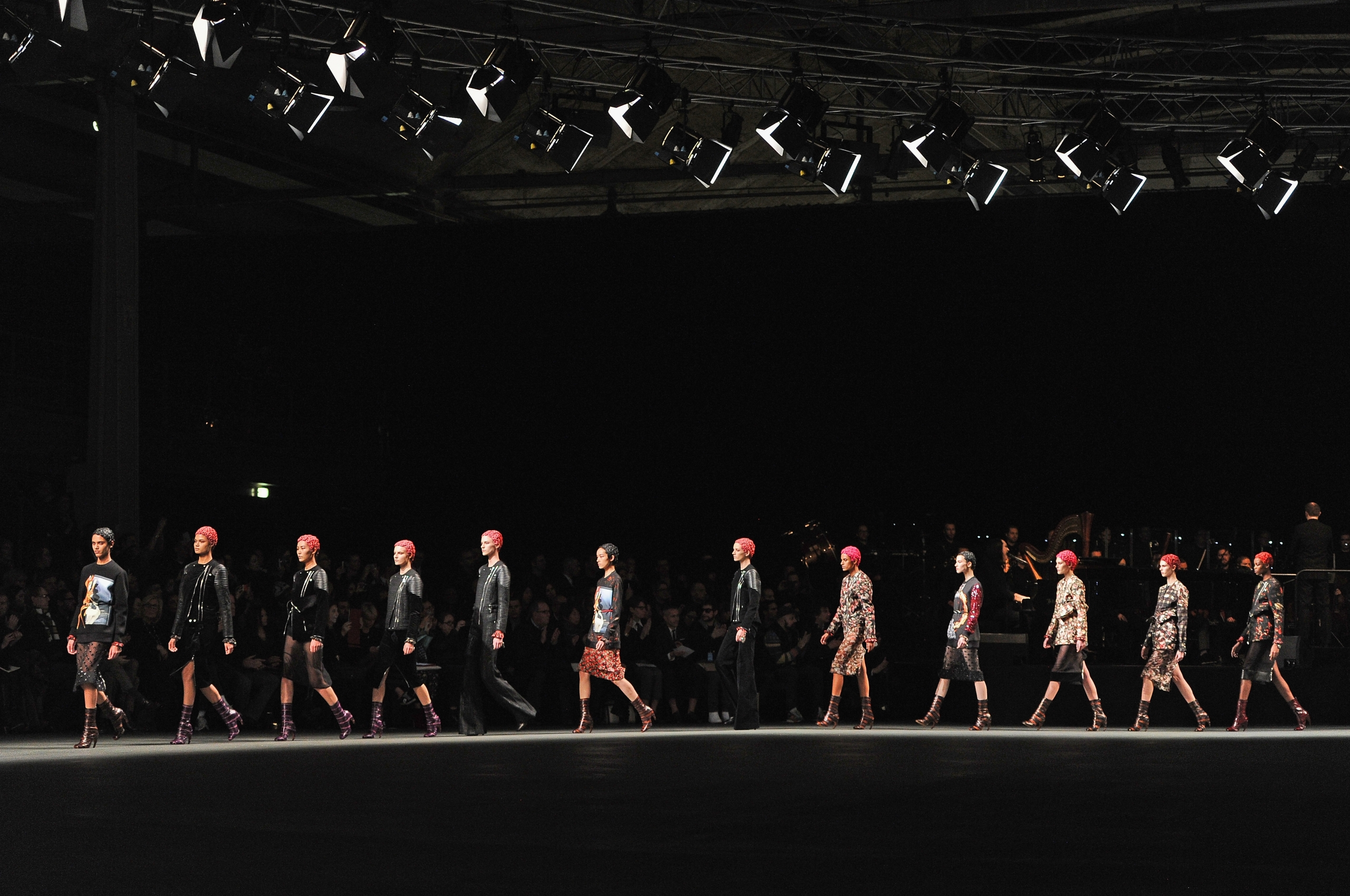 download Givenchy fashion show wallpapers and images 2560x1700