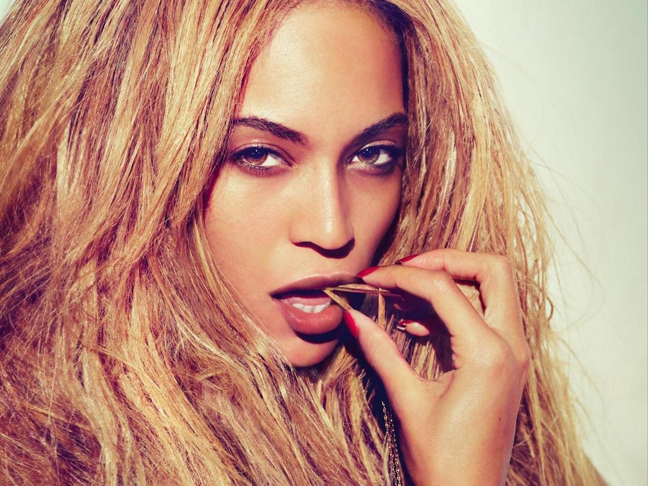 Beyonce Wallpaper Download 1280x960