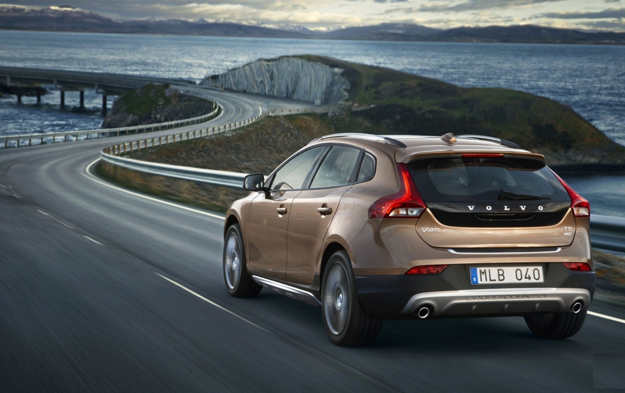Volvo V40 Rear Angle Speed wallpapers Volvo V40 Rear Angle Speed 1280x804