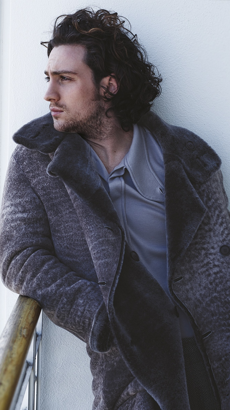 Download Wallpaper 750x1334 Aaron taylor johnson Actor 750x1334
