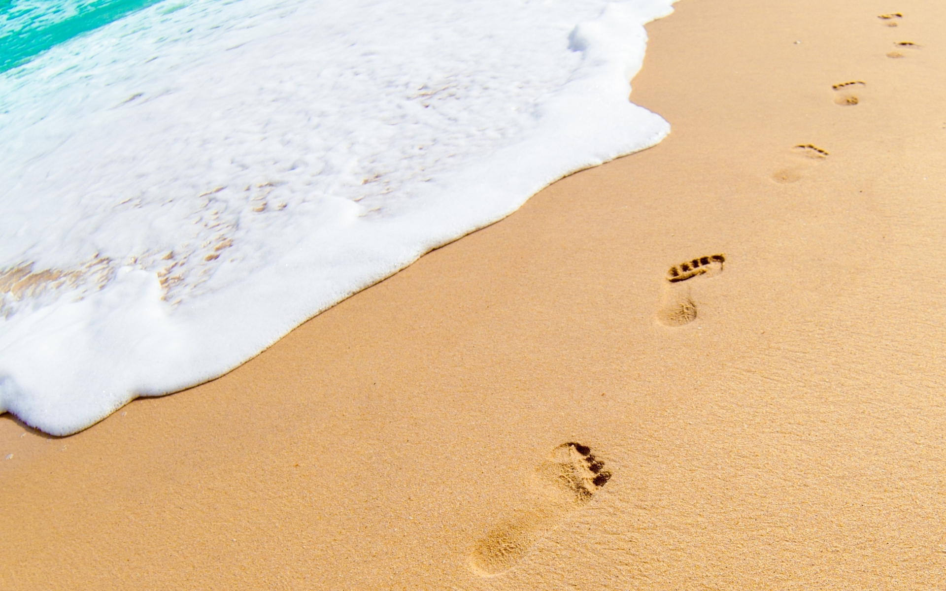 Wallpaper Footprints in the Sand   HD Wallpaper Expert 1920x1200