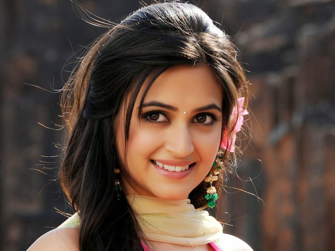 actress hd wallpaper 2014 bollywood actress hd wallpaper 2014 1100x826