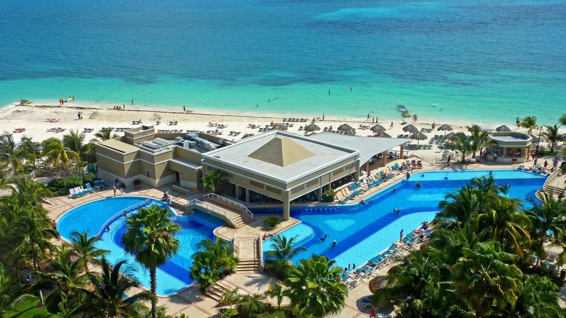 Caribbean Beach Resort HD Wallpaper of Beach   hdwallpaper2013com 1920x1080