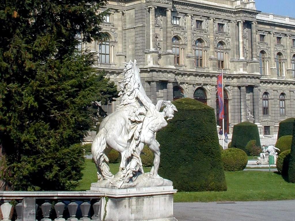 Palaces Castles 1024x768