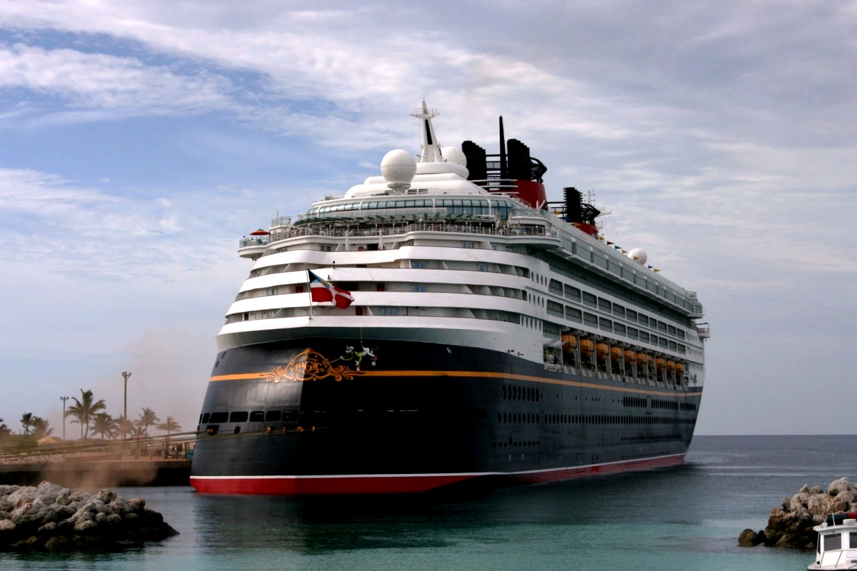 SHIPWallpaperGallery Disney Fantasy Cruise Ship Wallpaper 1200x800