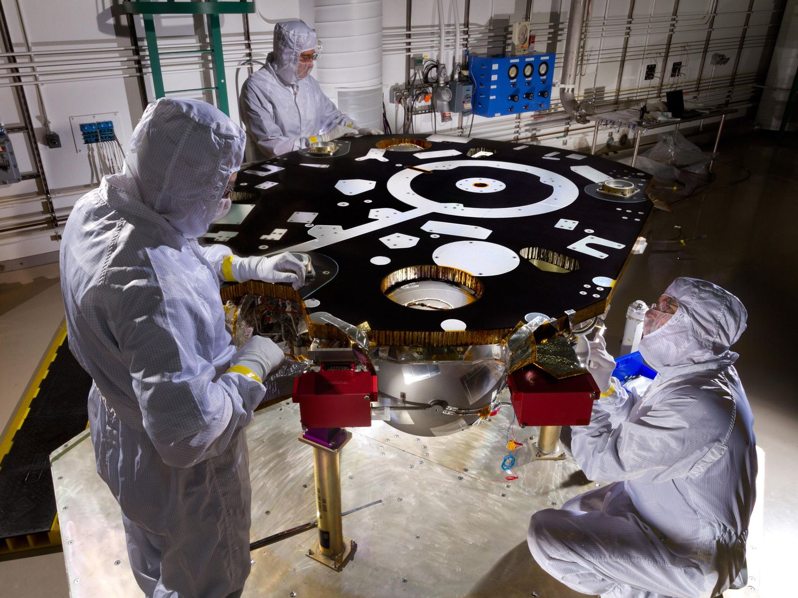 Space Images Work on NASAs InSight Lander Starts New Phase 1600x1200