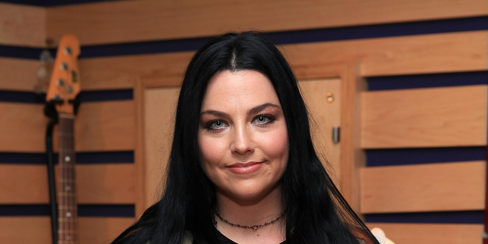 Evanescence 2017 Wallpapers 1600x800