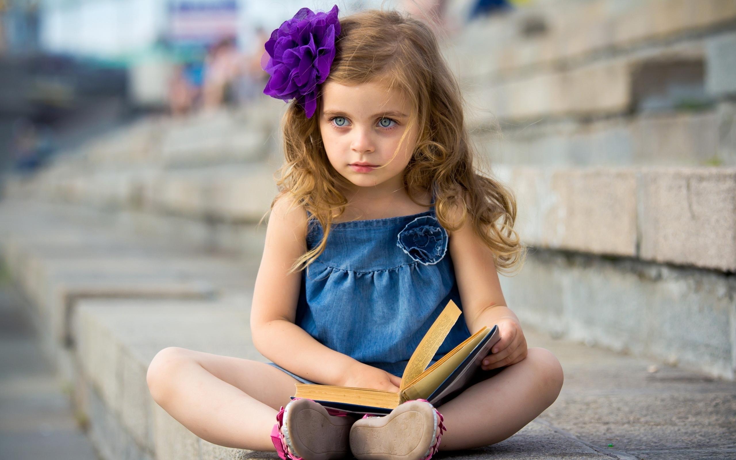 Cute Little Girl Mac Wallpaper Download Mac Wallpapers Download 2560x1600