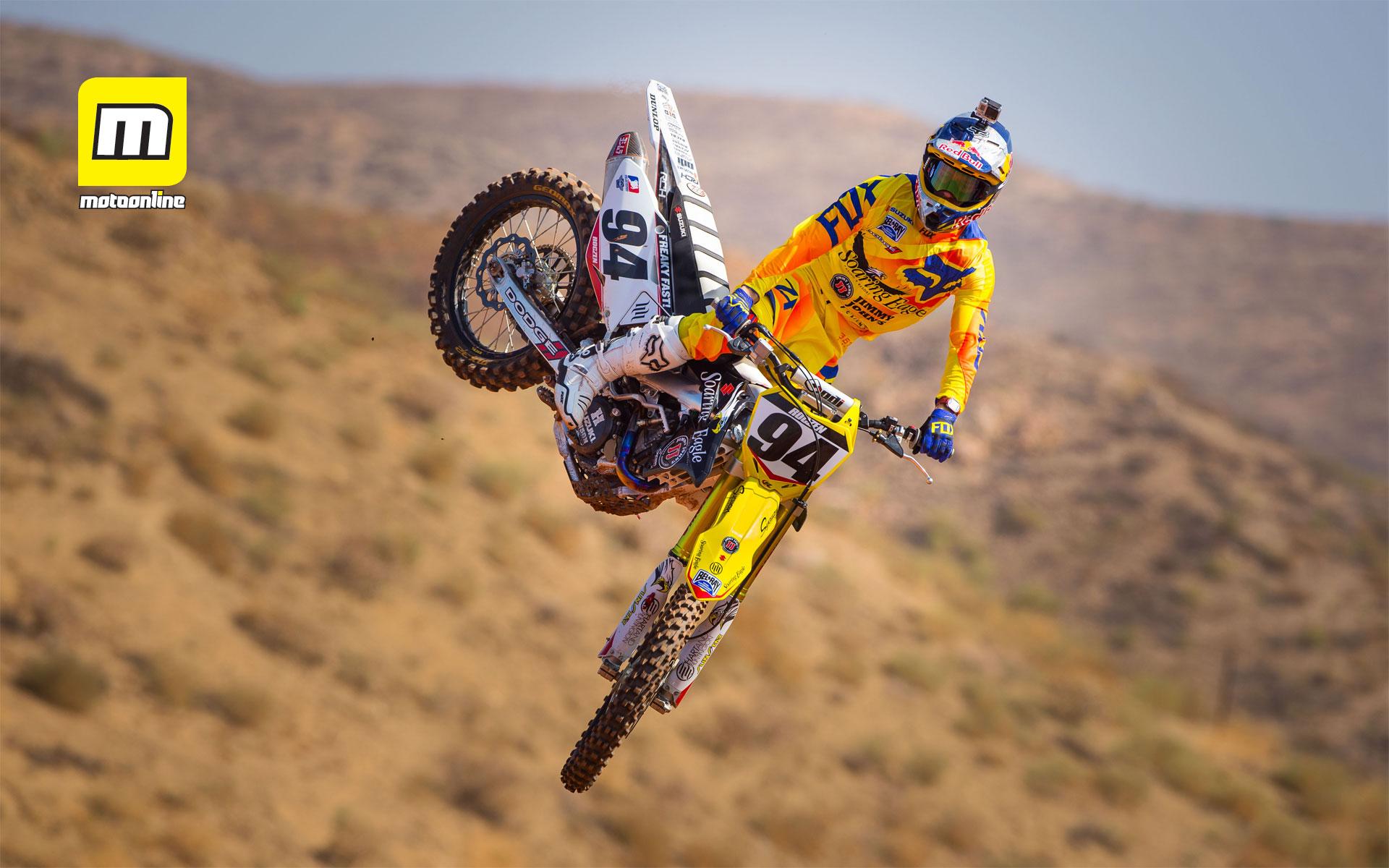 Motorcycle Racing On The Sand Suzuki Hd Desktop Mobile
