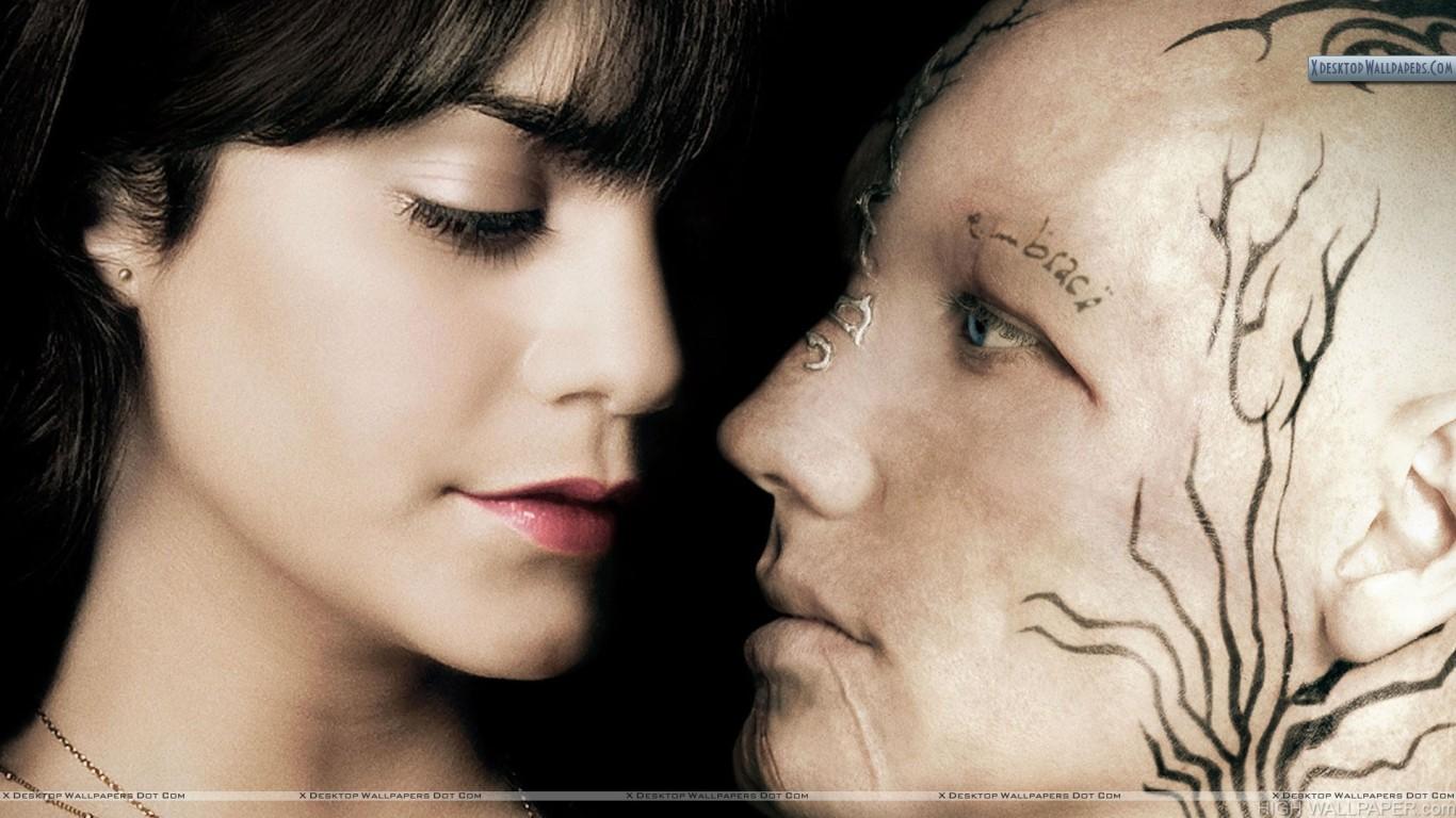 Vanessa Hudgens Face Closeup Kissing in Beastly HD Wallpaper 1366x768