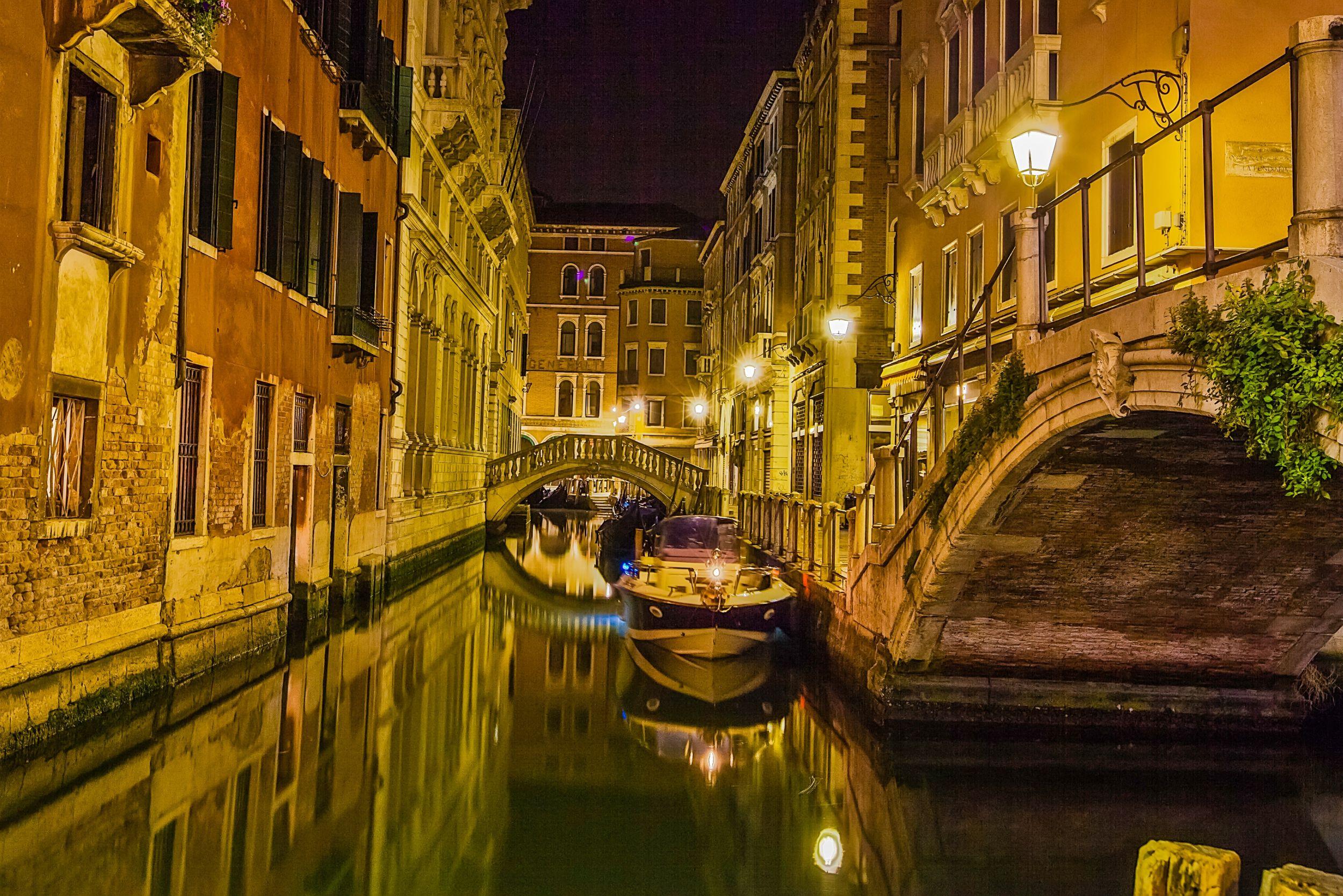 Venice night Will Travel Venice Venice wallpaper Visit 2500x1668