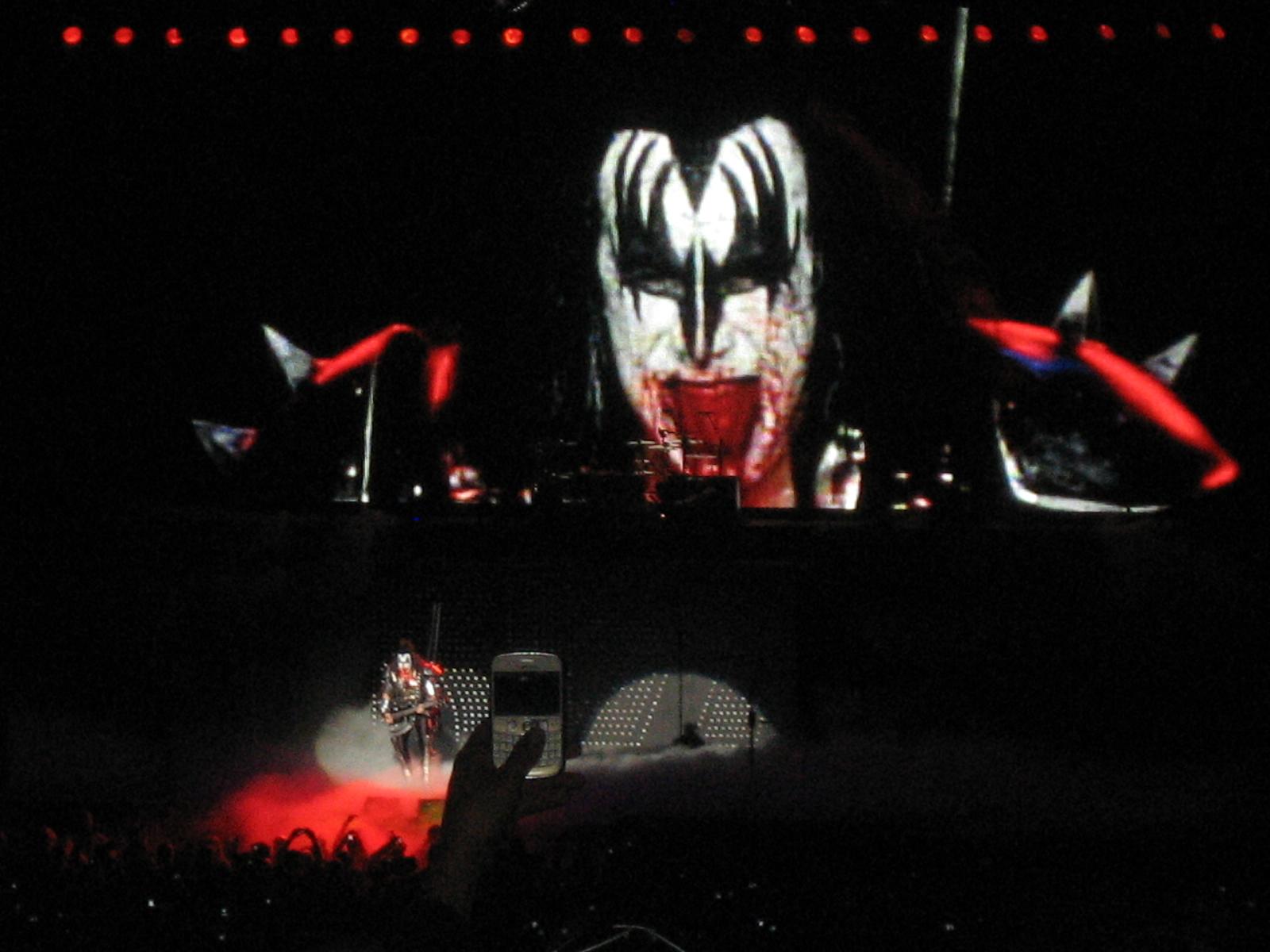 Kiss Army Wallpaper Kiss concert the molson 1600x1200