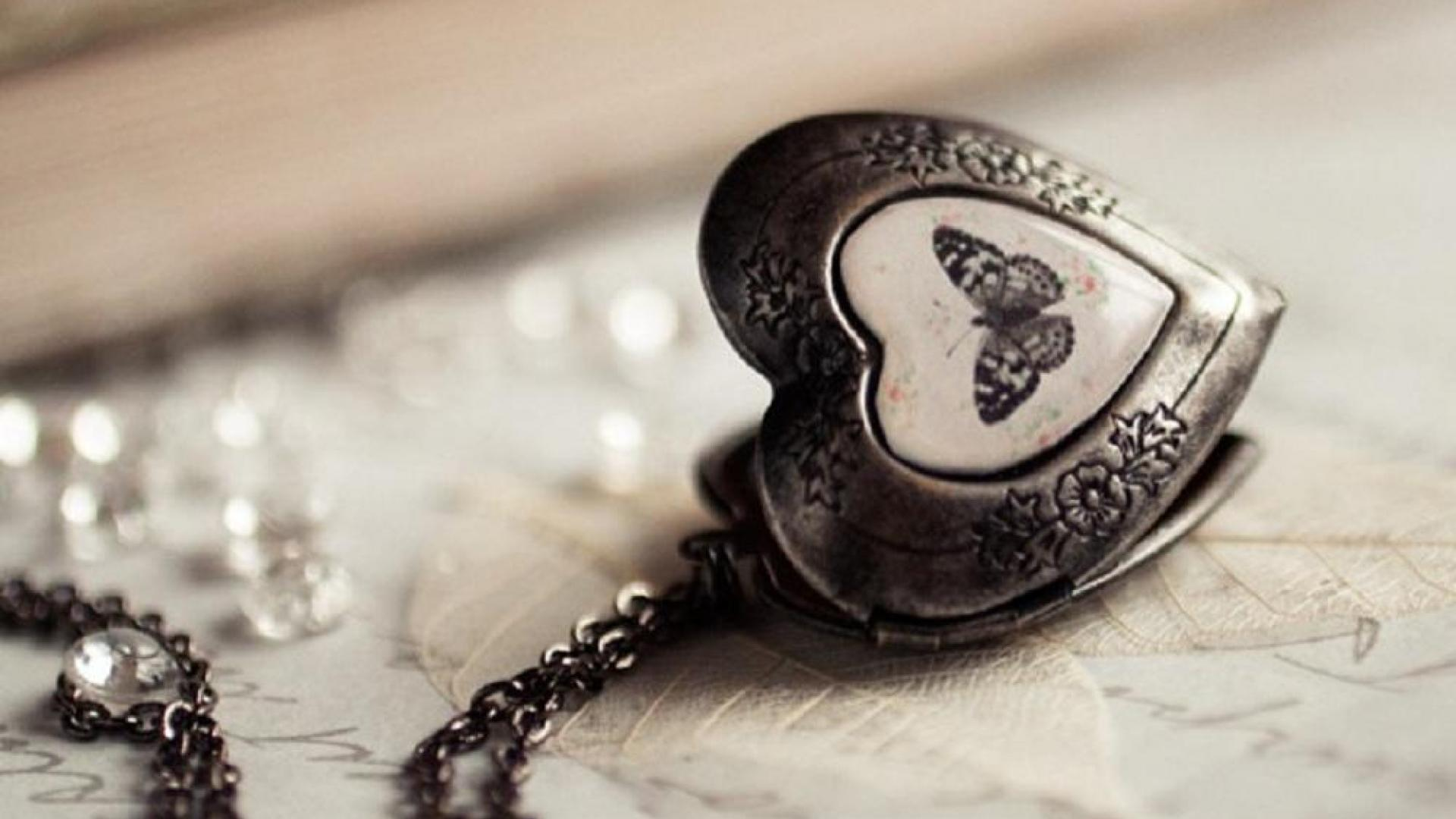 Necklaces Wallpapers