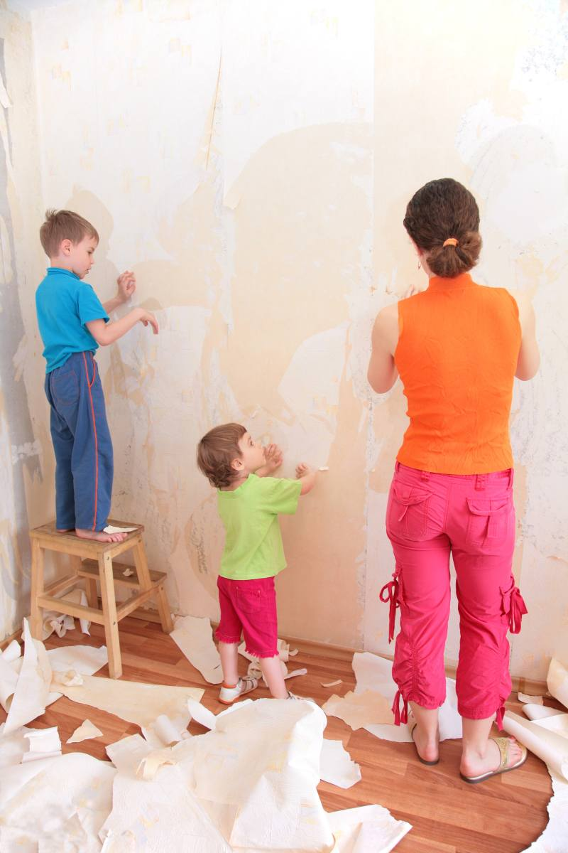 How To Remove Wallpaper The Easy Way 800x1200