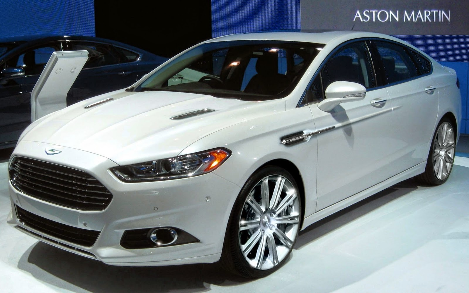 profile side motor reviews and cars ford hybrid rating trend fusion