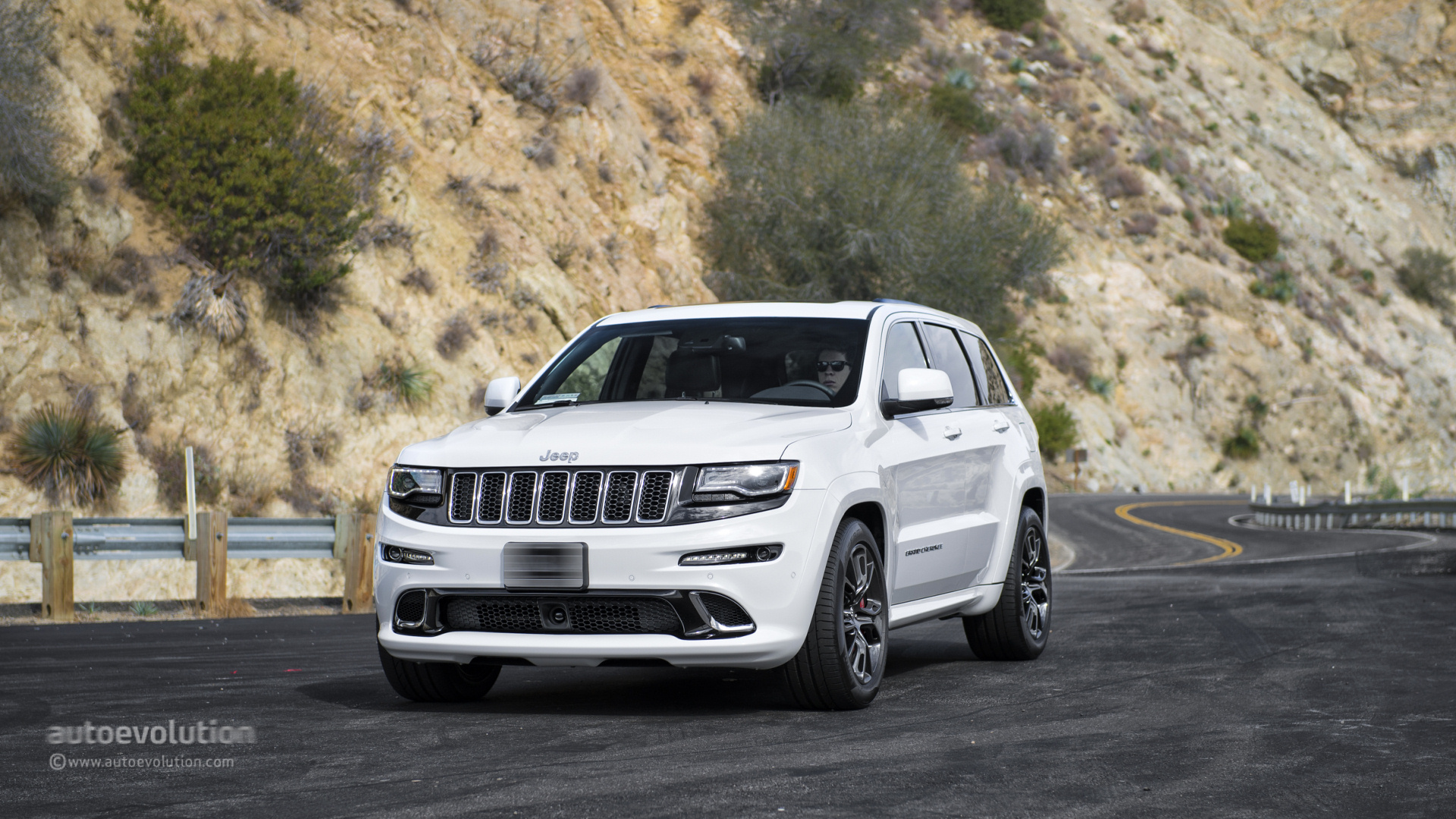 Jeep Grand Cherokee Wallpapers Download 6T5Z731 1920x1080