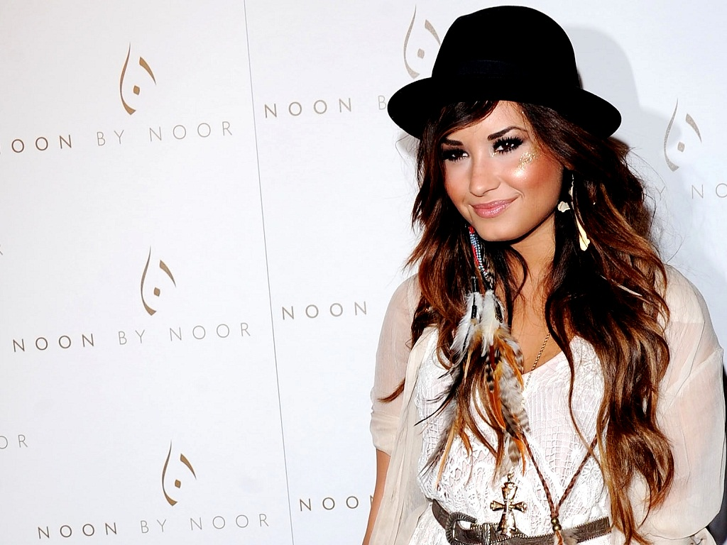 Demi Wallpaper   Demi Lovato Wallpaper 23915631 1024x768