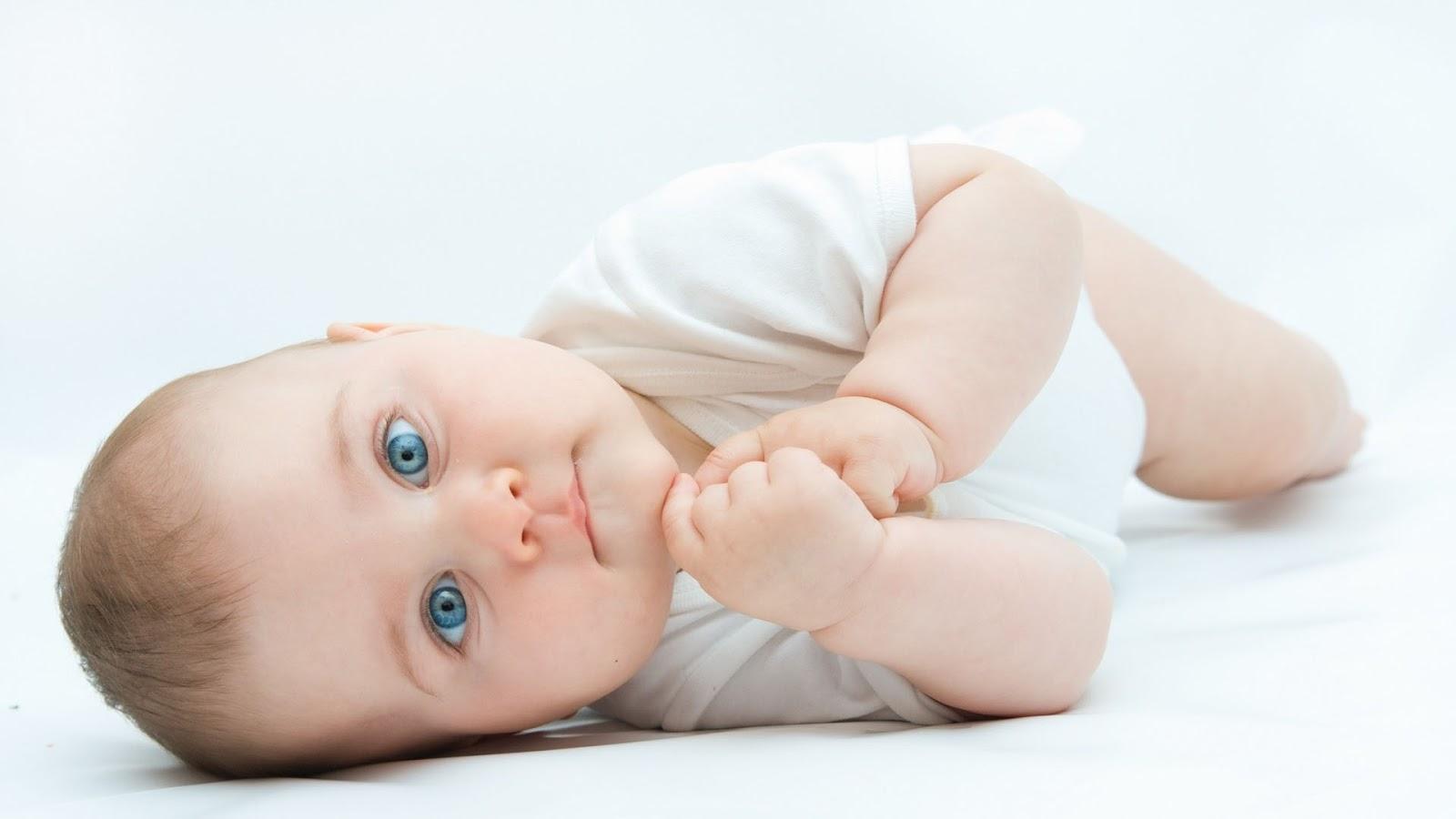 Cute Little Blue Eyes Baby HD Wallpaper Cute Little Babies 1600x900