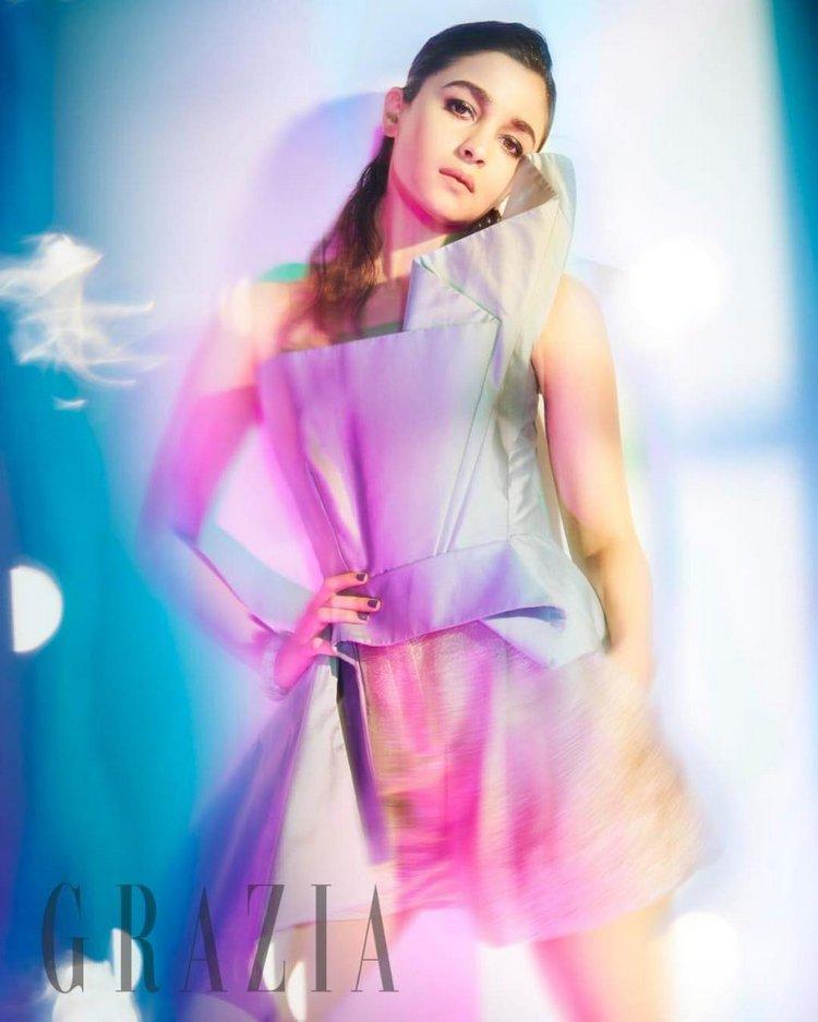 Alia Bhatt Hot Photoshoot For Grazia India Magazine Ultra HD 2019 750x937