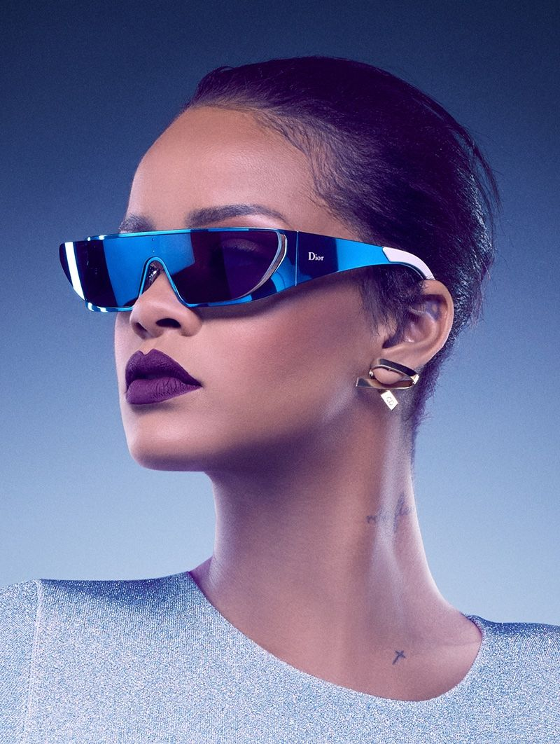 Rihanna Designs and Models Futuristic Sunglasses for Dior 800x1062