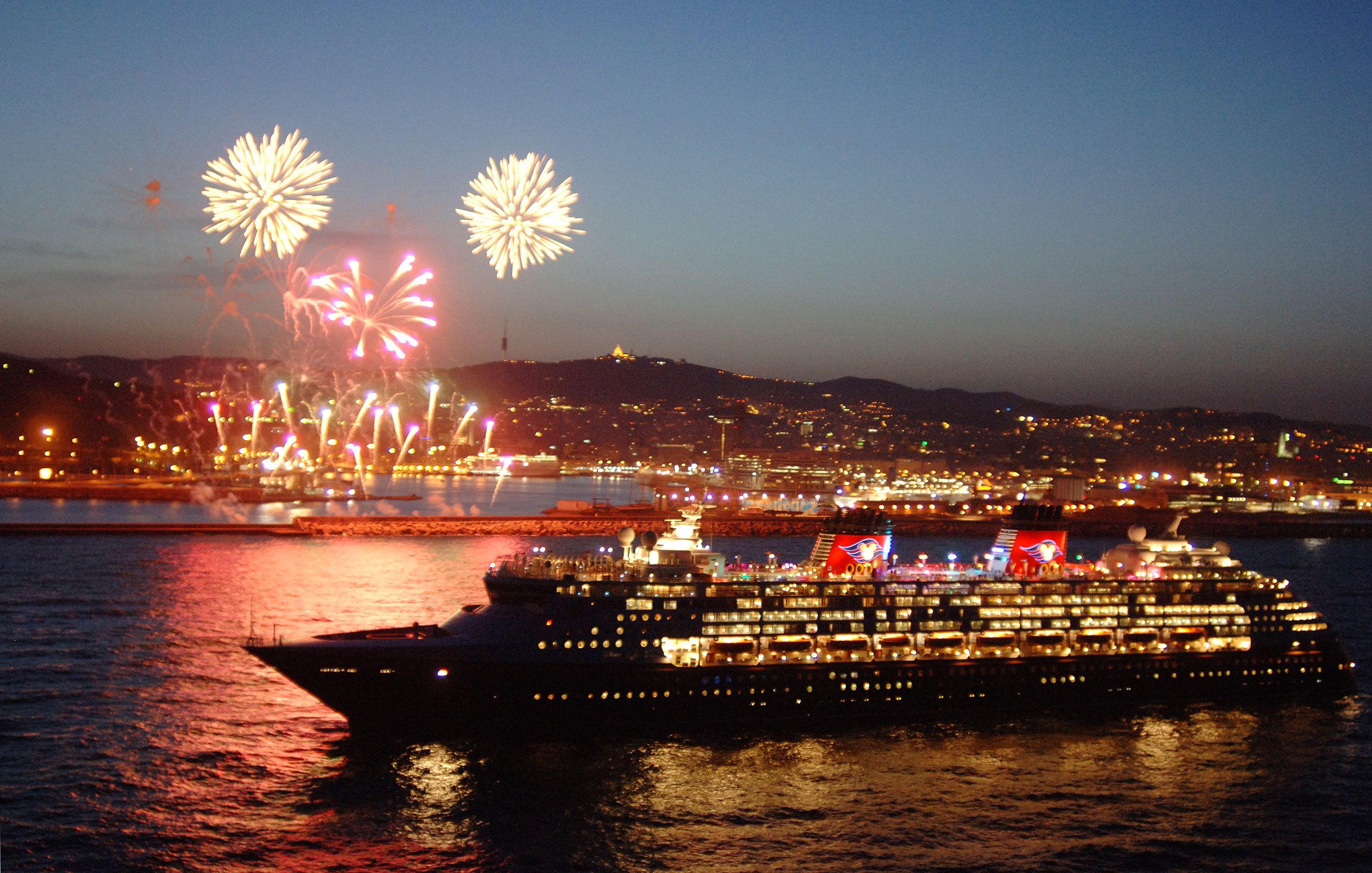Disney Cruise Line Unveils New 2014 Itineraries and Ports   Kingdom 2676x1703