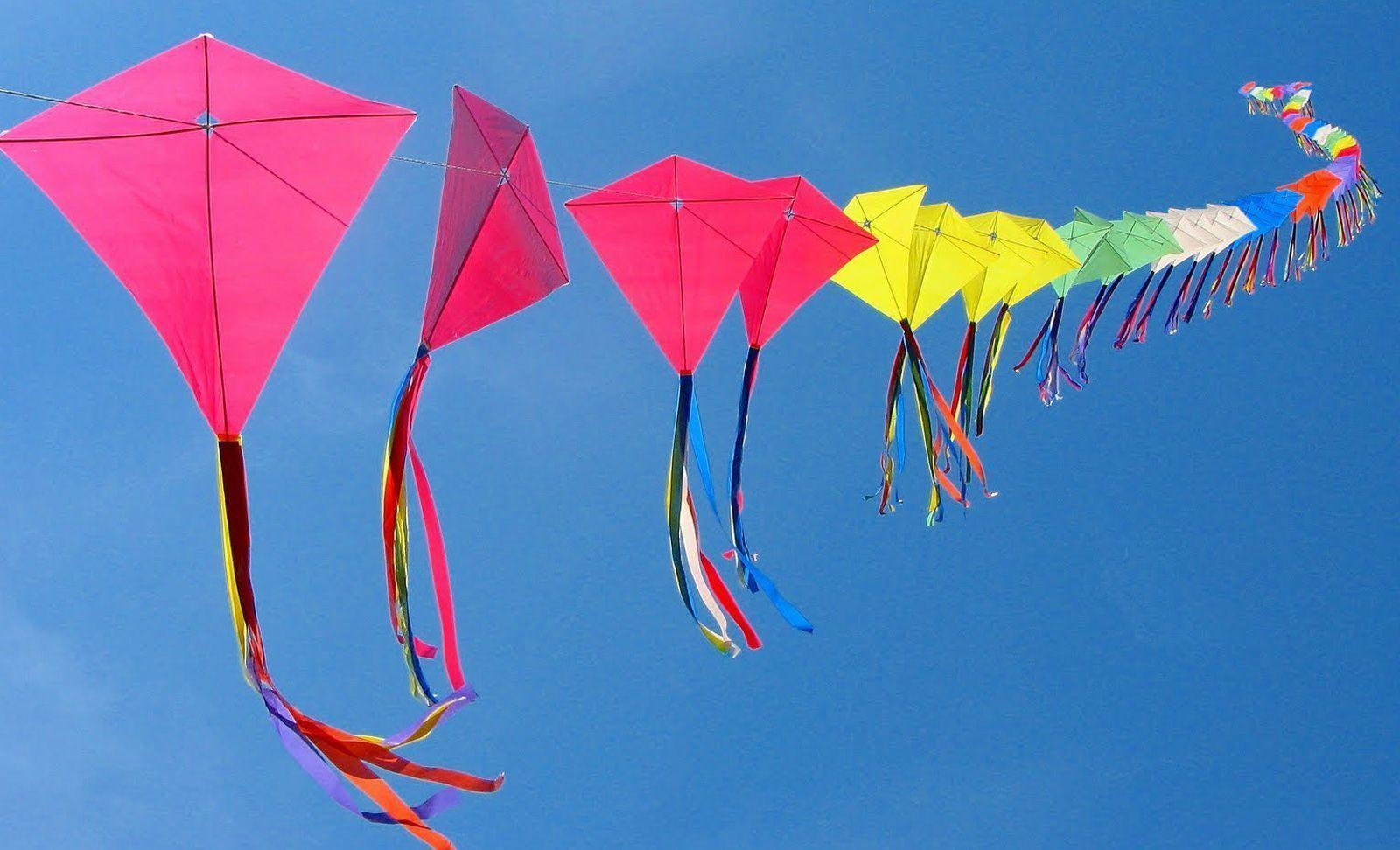 Kite Wallpapers 1600x972