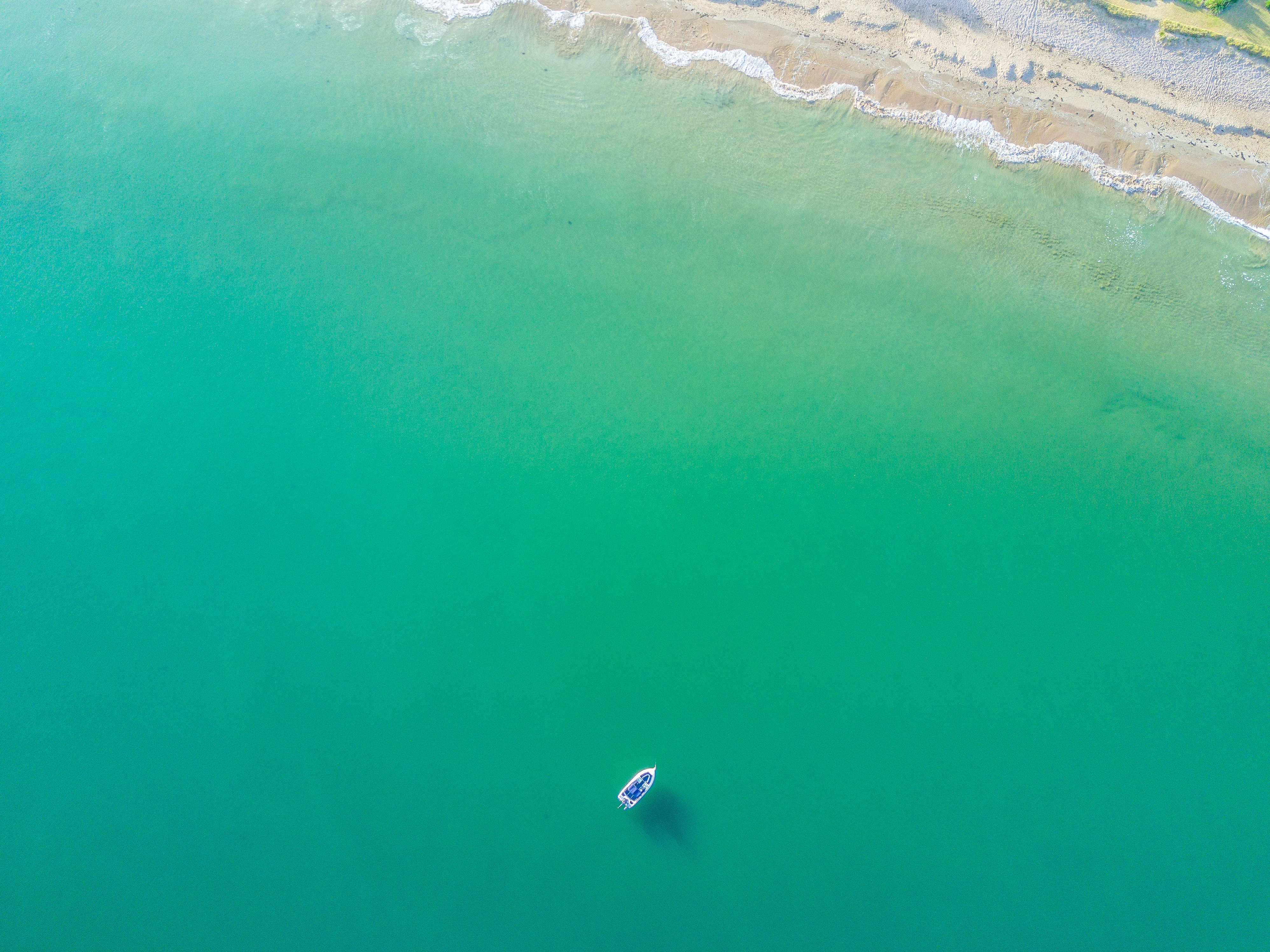 5401937 3992x2992 sea anchor pictures drone view 3992x2992
