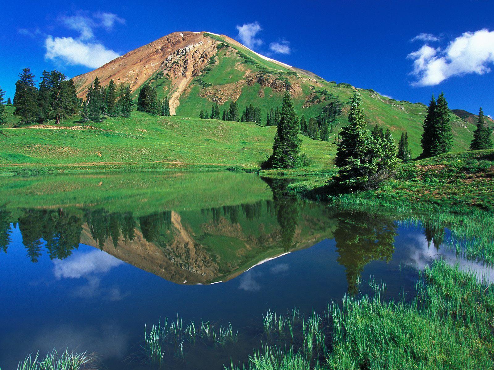 Green Mountain wallpaper Download Nature Green Mountain Background 1600x1200