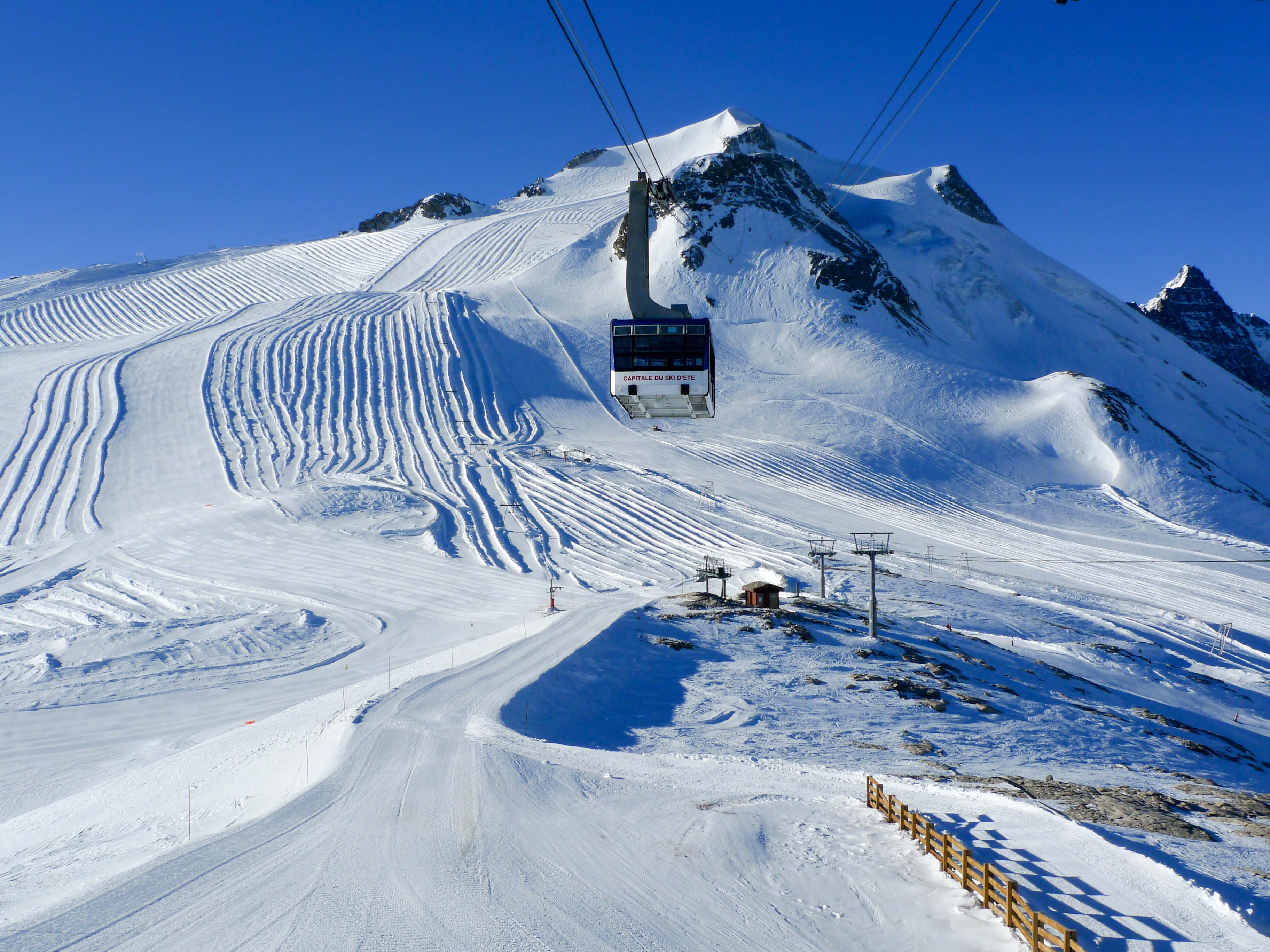 Lift at ski resort Tignes France wallpapers and images 3648x2736