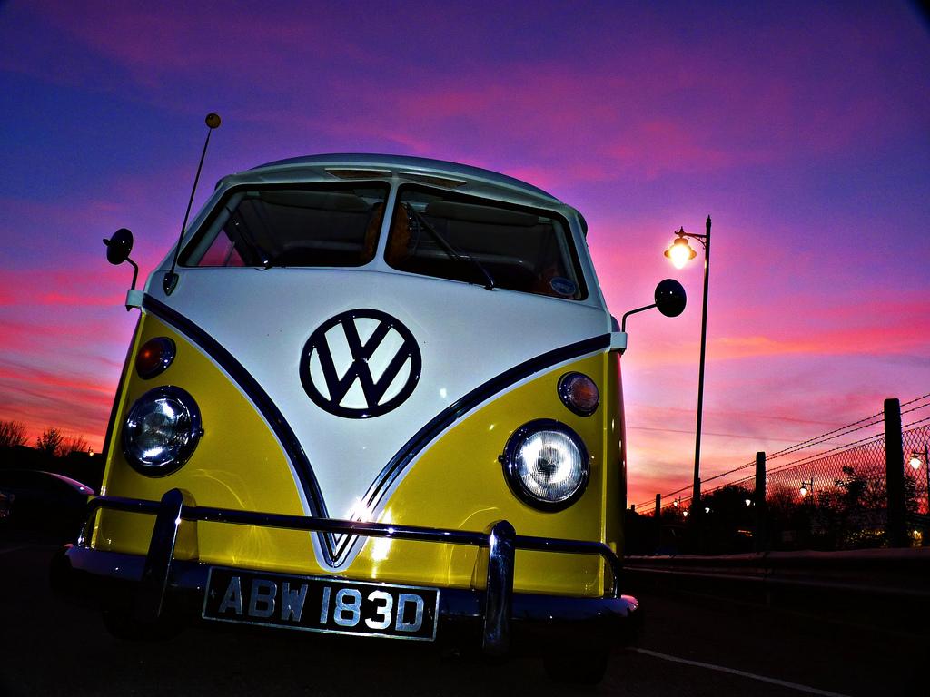 Classic Volkswagen Bus Wallpaper IPhone Wallpaper WallpaperLepi 1024x768