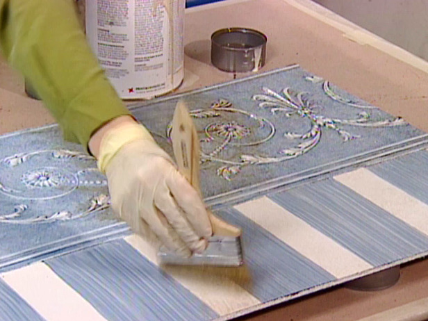 How to Finish Embossed Wallpaper With Glaze 616x462