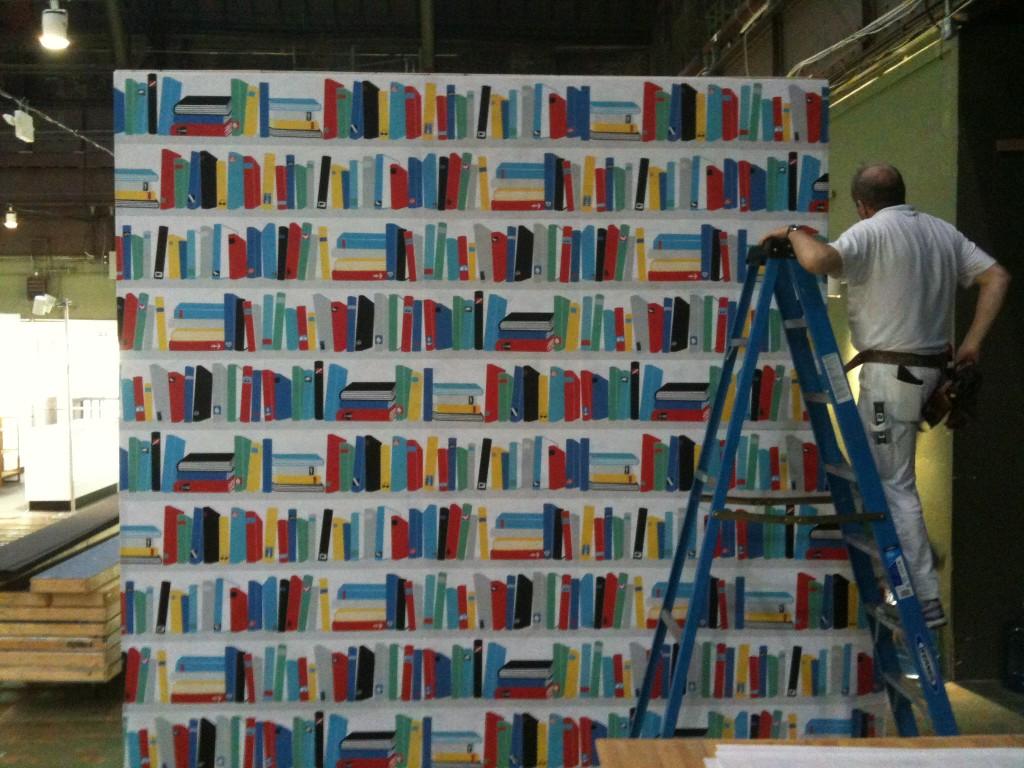 Bookshelf Wallpaper 1024x768