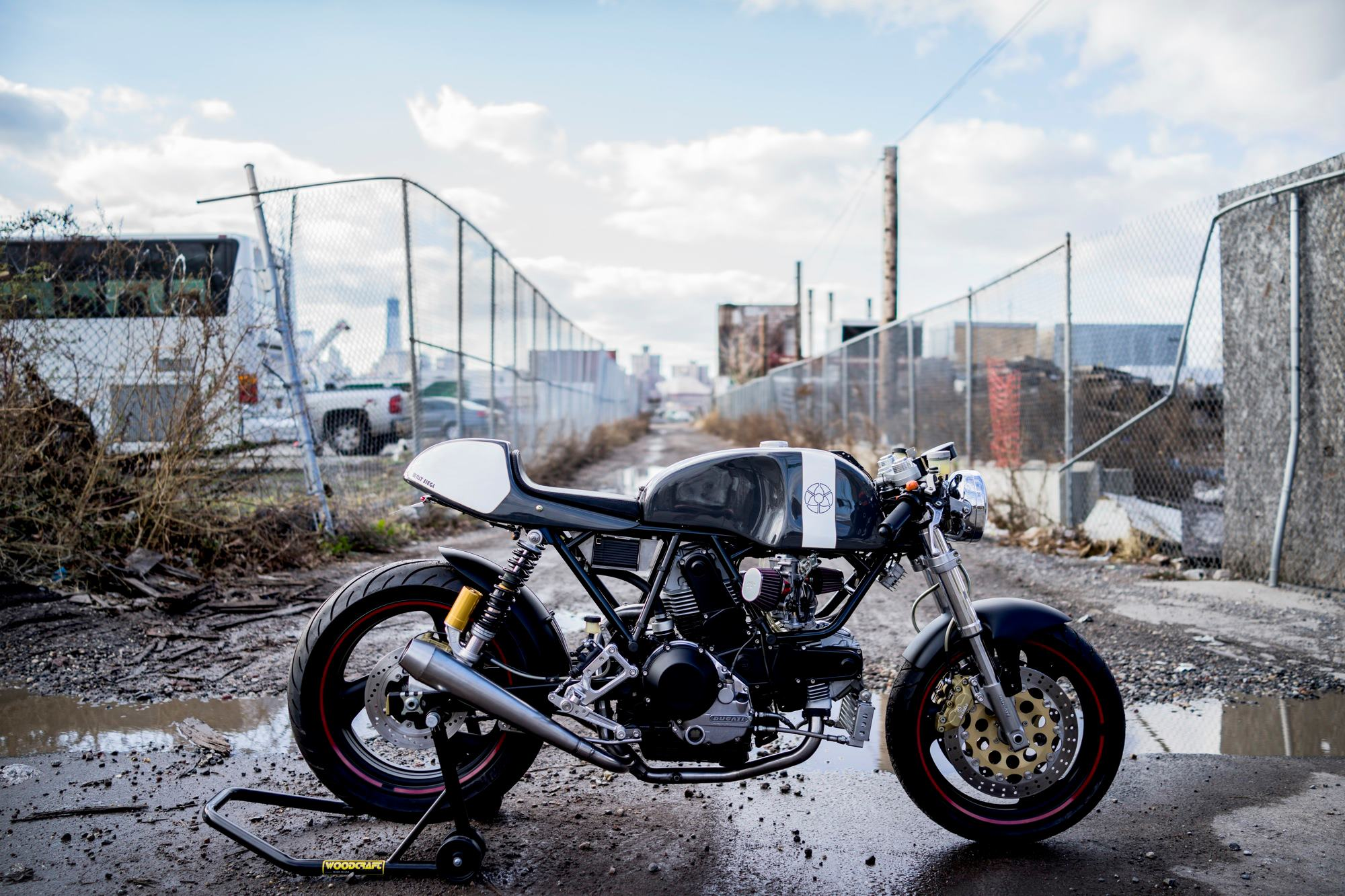 26 Triumph Cafe Racer Wallpapers On Wallpapersafari