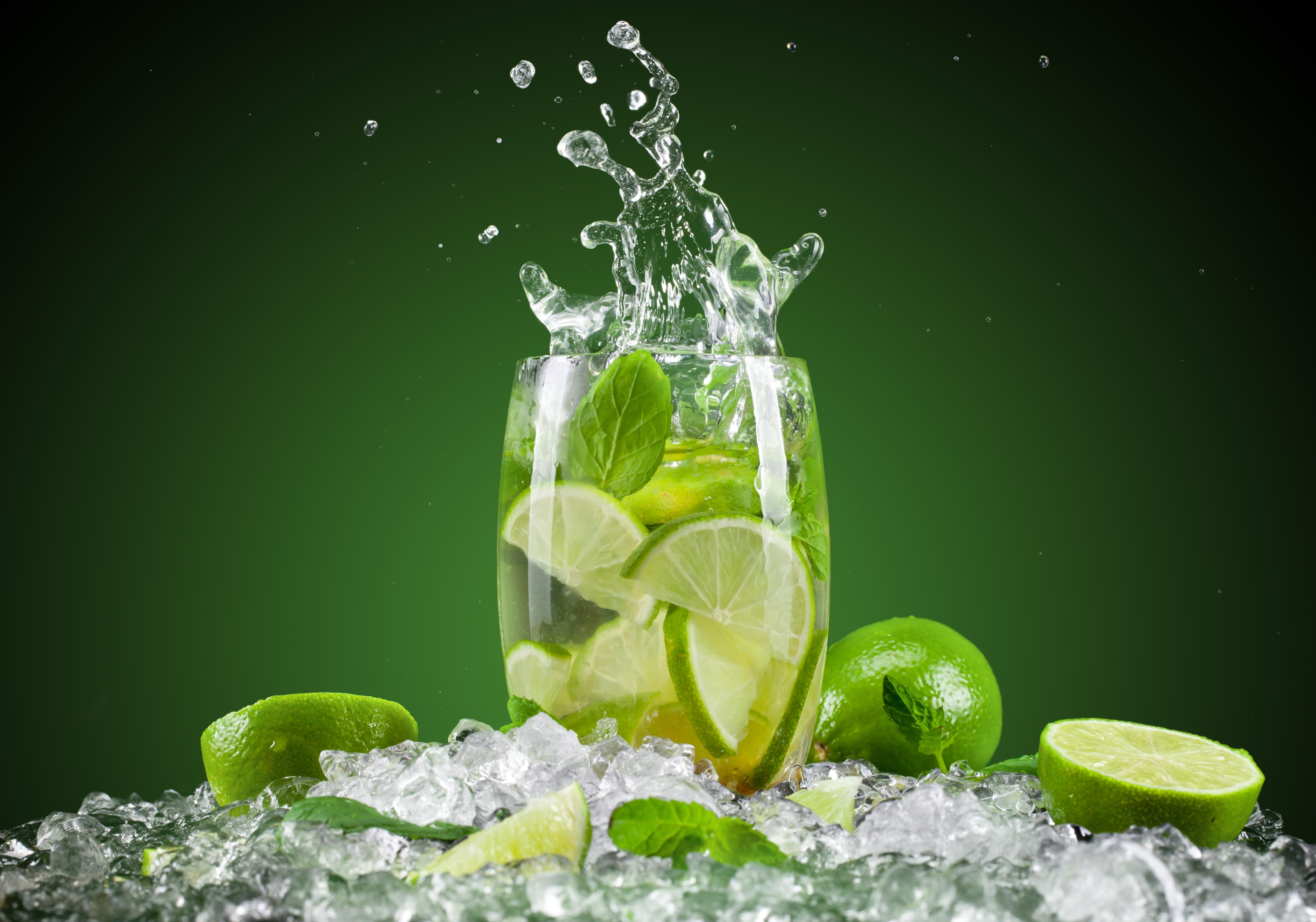 fruit lemon juice fresh cocktail ice green hd wallpaper splash 5463x3829