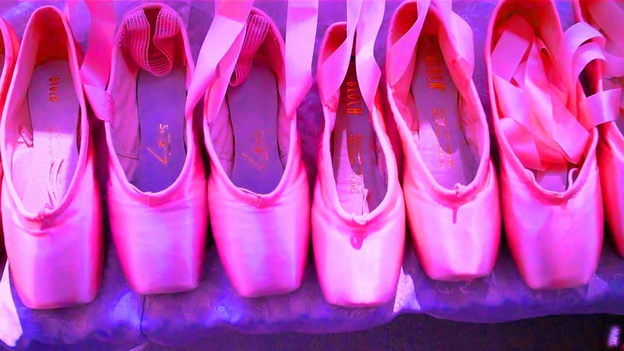Pointe Shoes Ballet Wallpaper