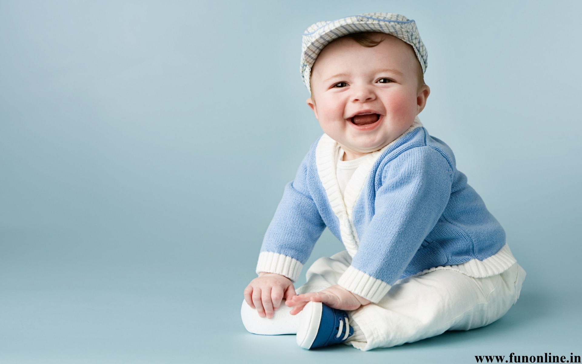 Baby Wallpapers Download Pretty and Smiling Babies HD Wallpaper 1920x1200
