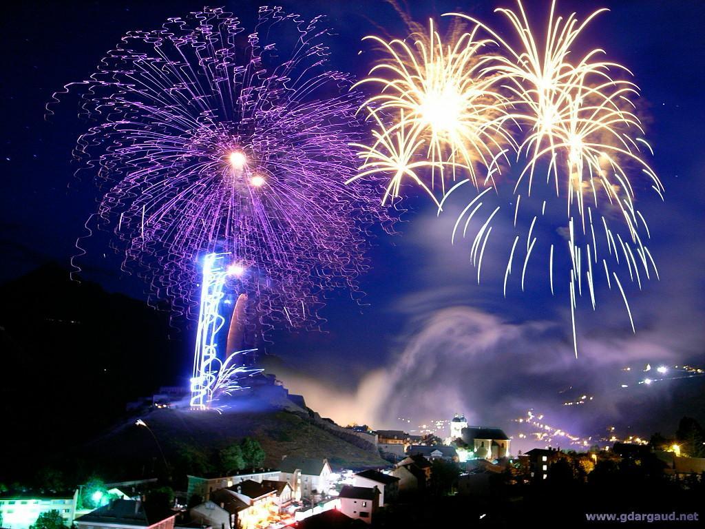 New Year Fireworks Wallpaper 1024x768