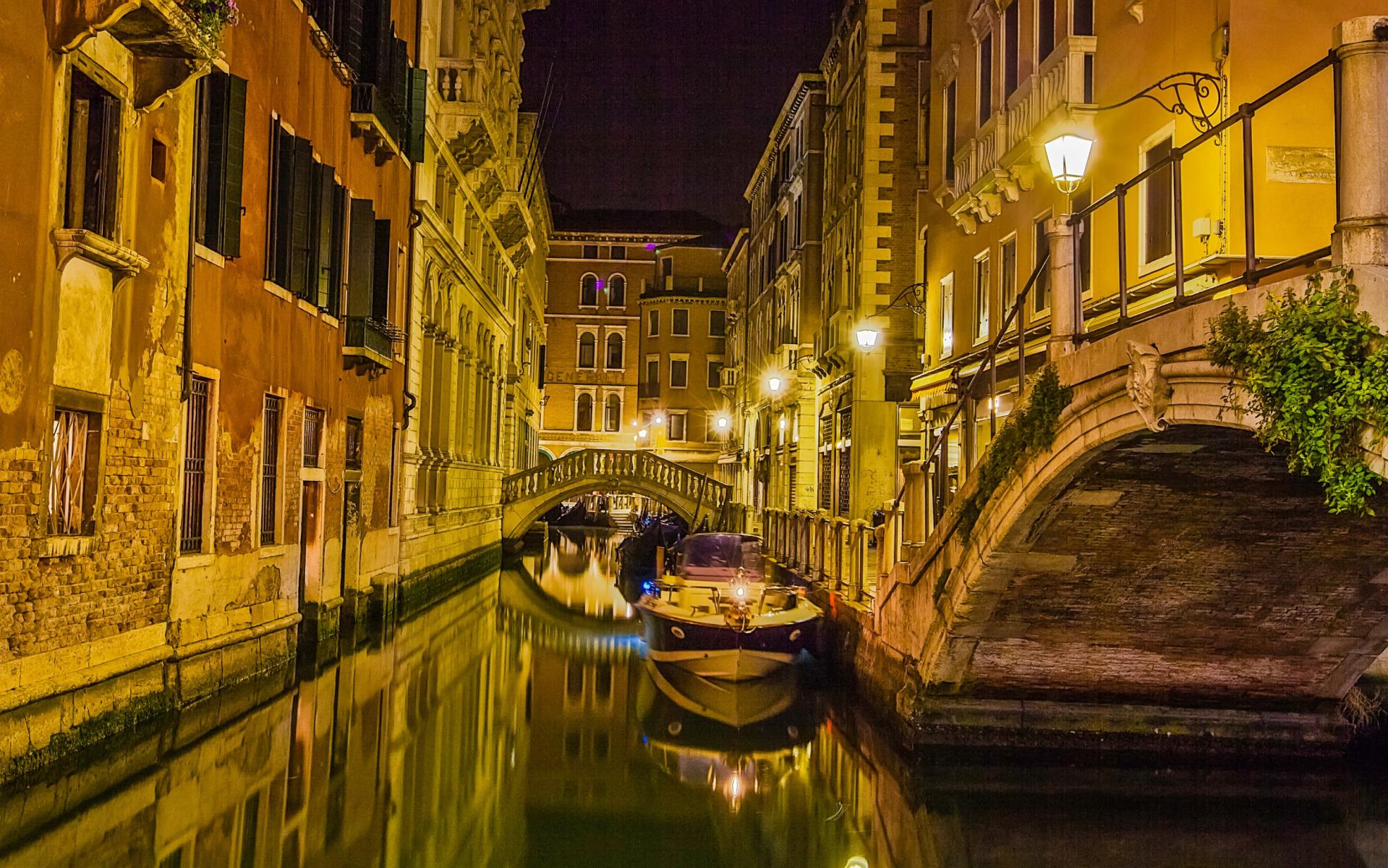 Quiet Night in Venice widescreen wallpaper Wide WallpapersNET 1919x1200