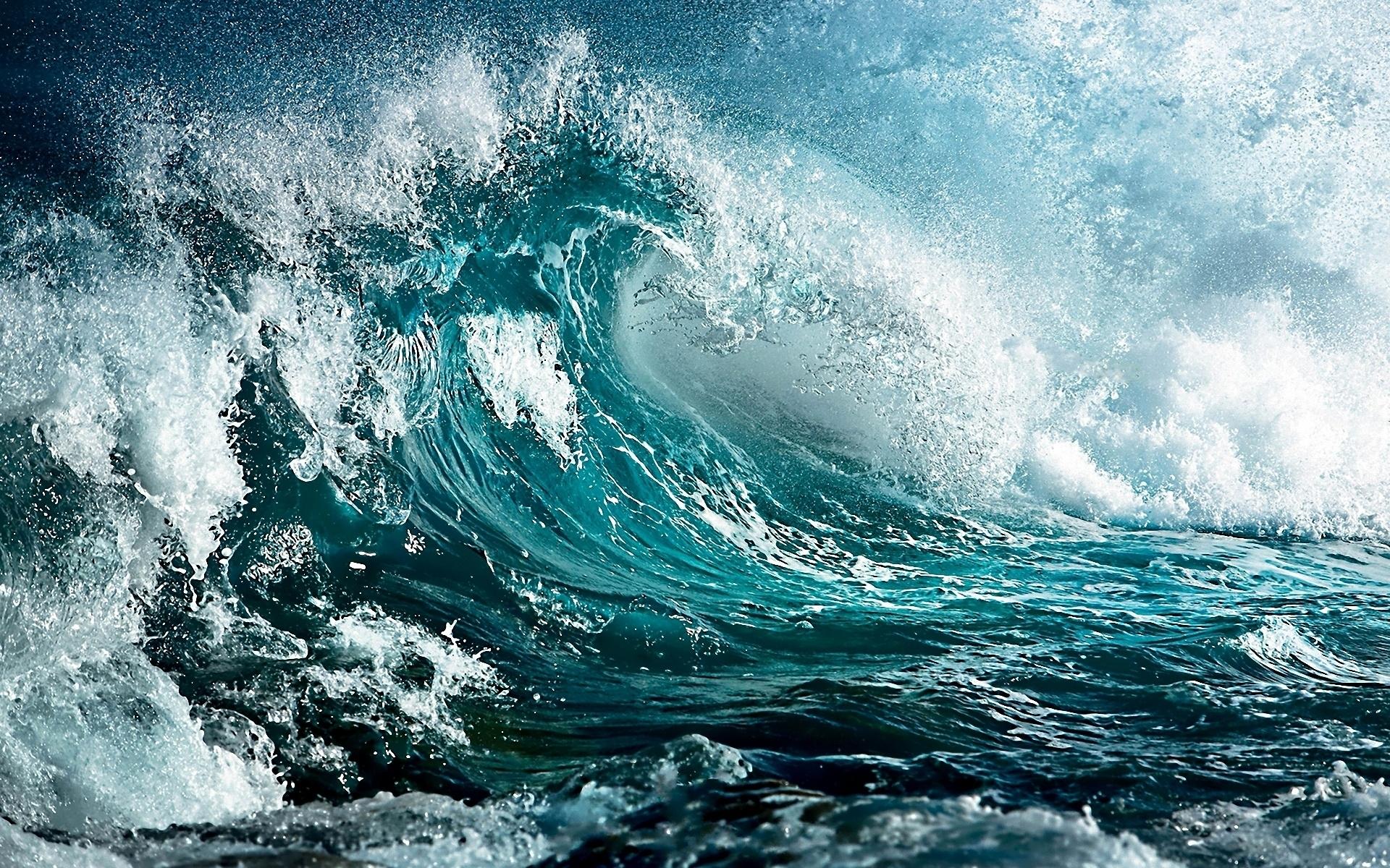 Wave In Storm Wallpaper 1920x1200