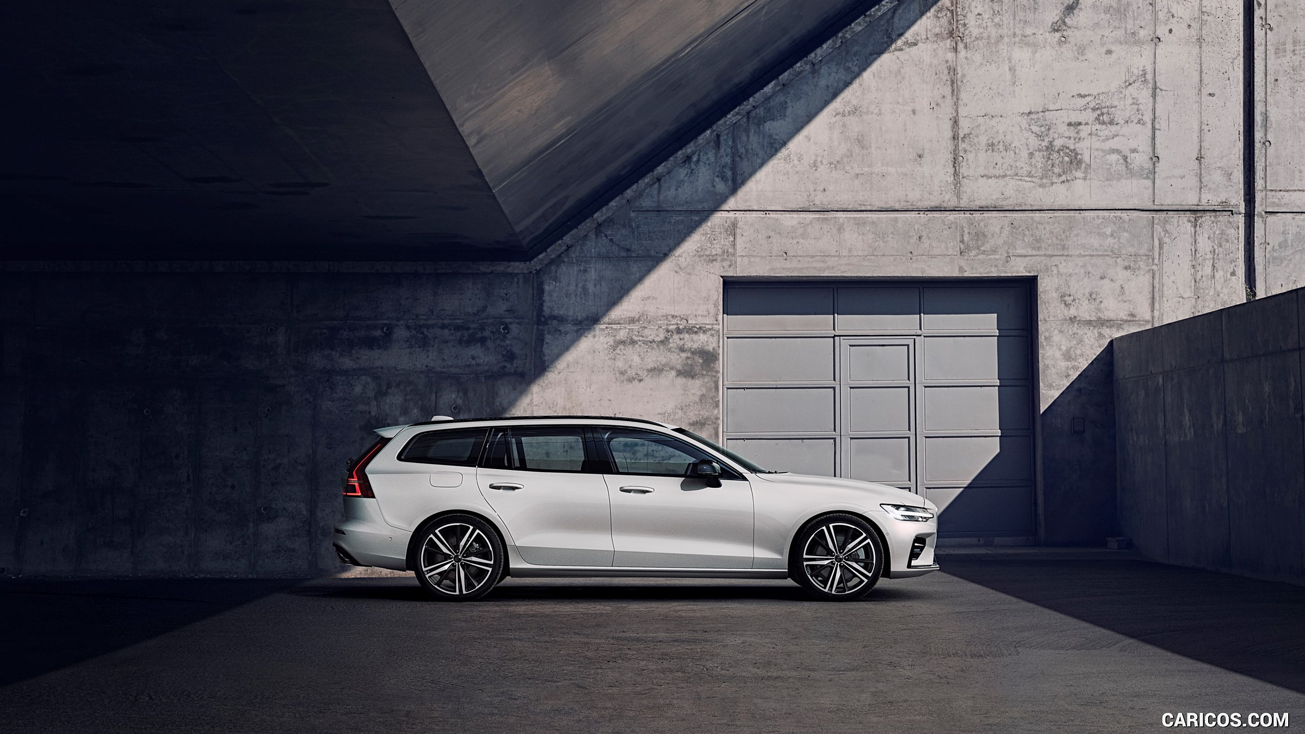 2019 Volvo V60 R Design   Side HD Wallpaper 246 2560x1440