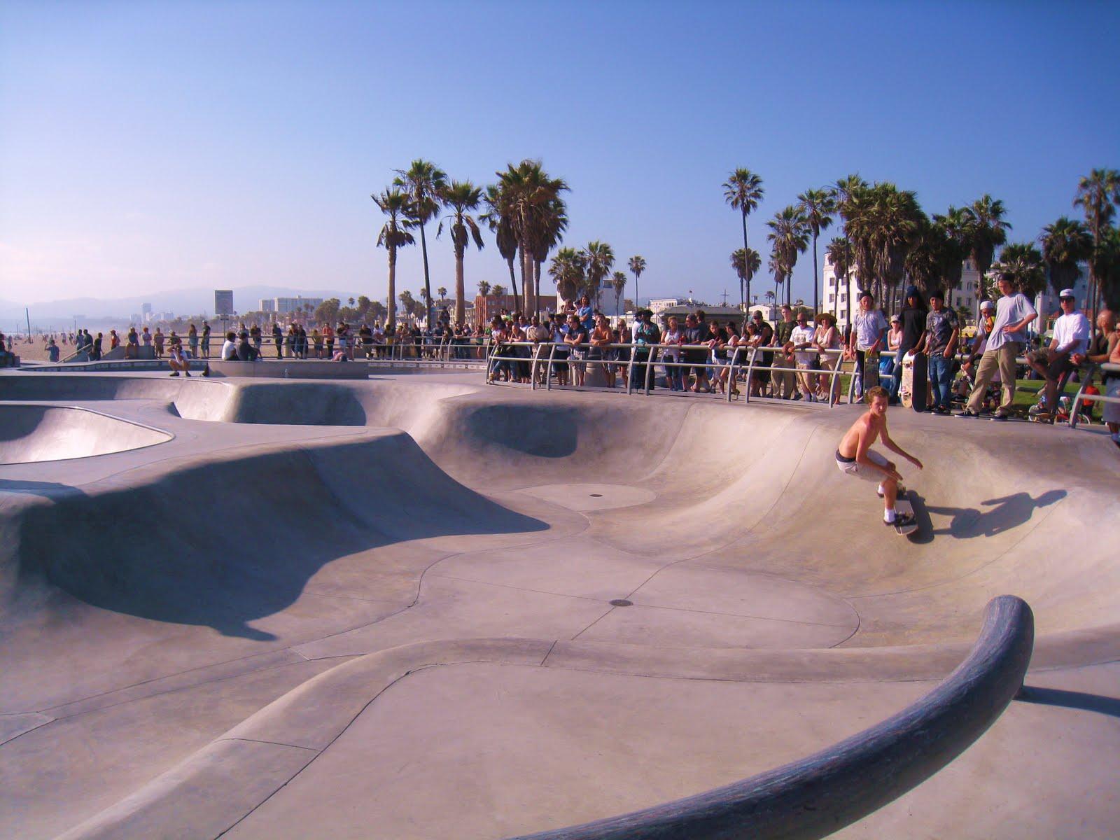 The Landless Farmer Venice Beach California 1600x1200