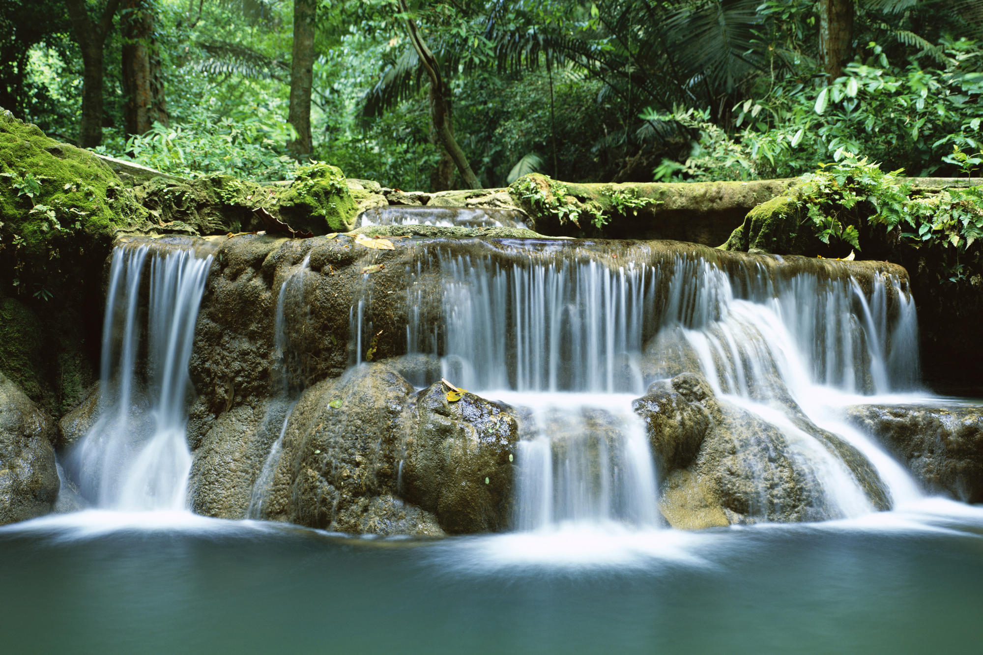free download live waterfall wallpaper which is under the waterfall 2000x1333