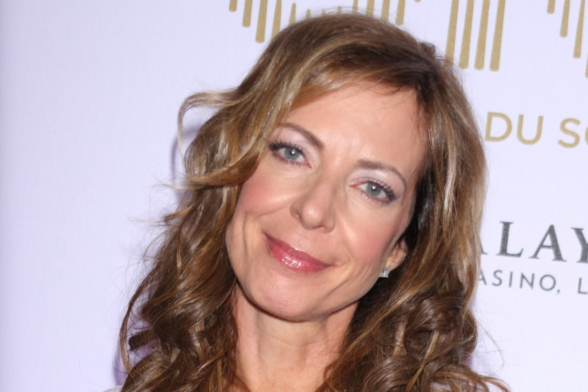 Allison Janney HD Desktop Wallpapers 7wallpapersnet 1200x800