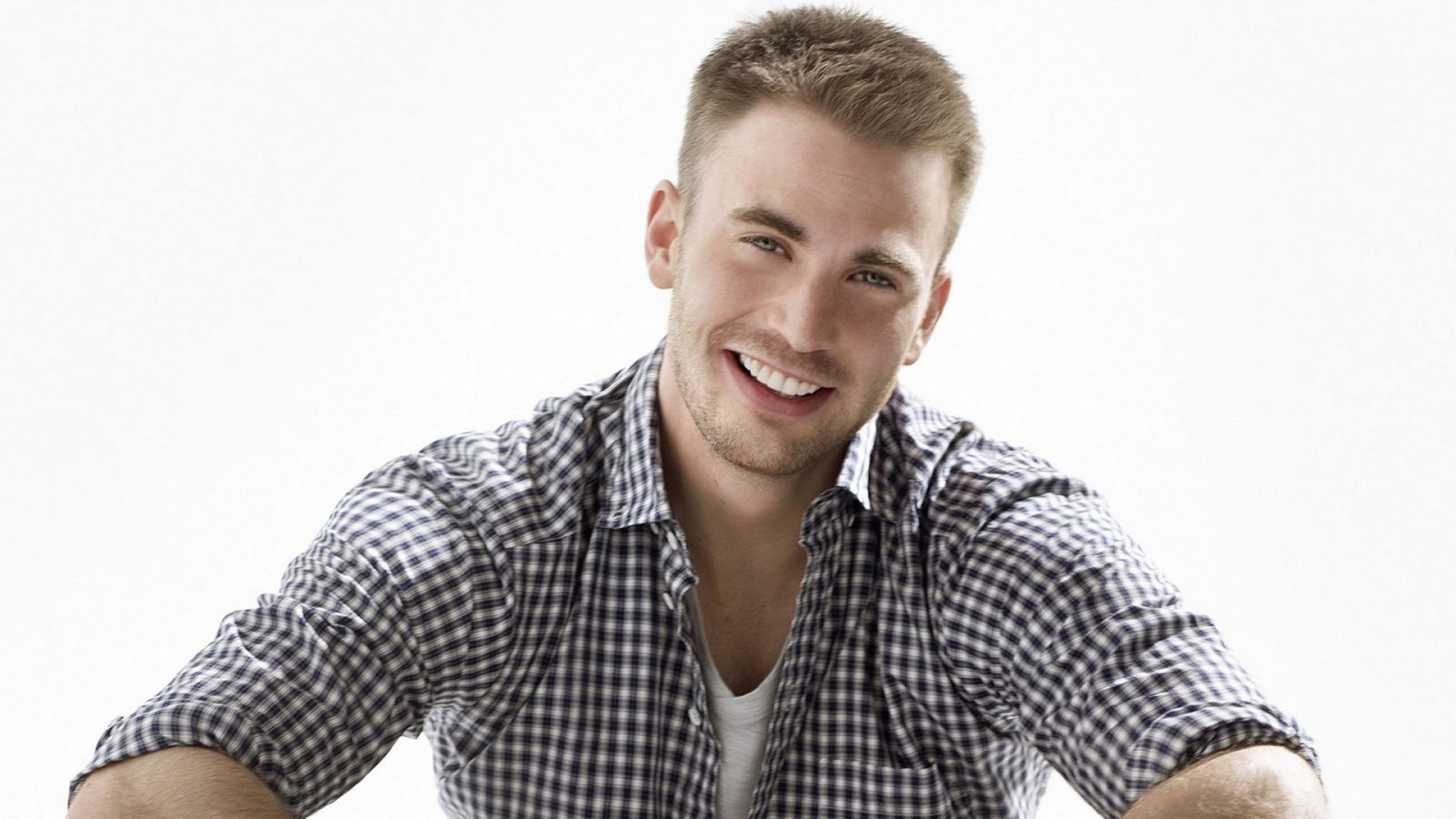 Chris Evans Wallpapers 20 images   Wallpaper Stream 1600x900
