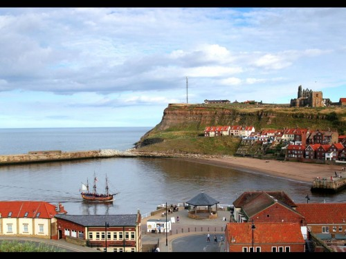 Whitby Yorkshire Screensaver Screensavers   Download Whitby Yorkshire 500x375