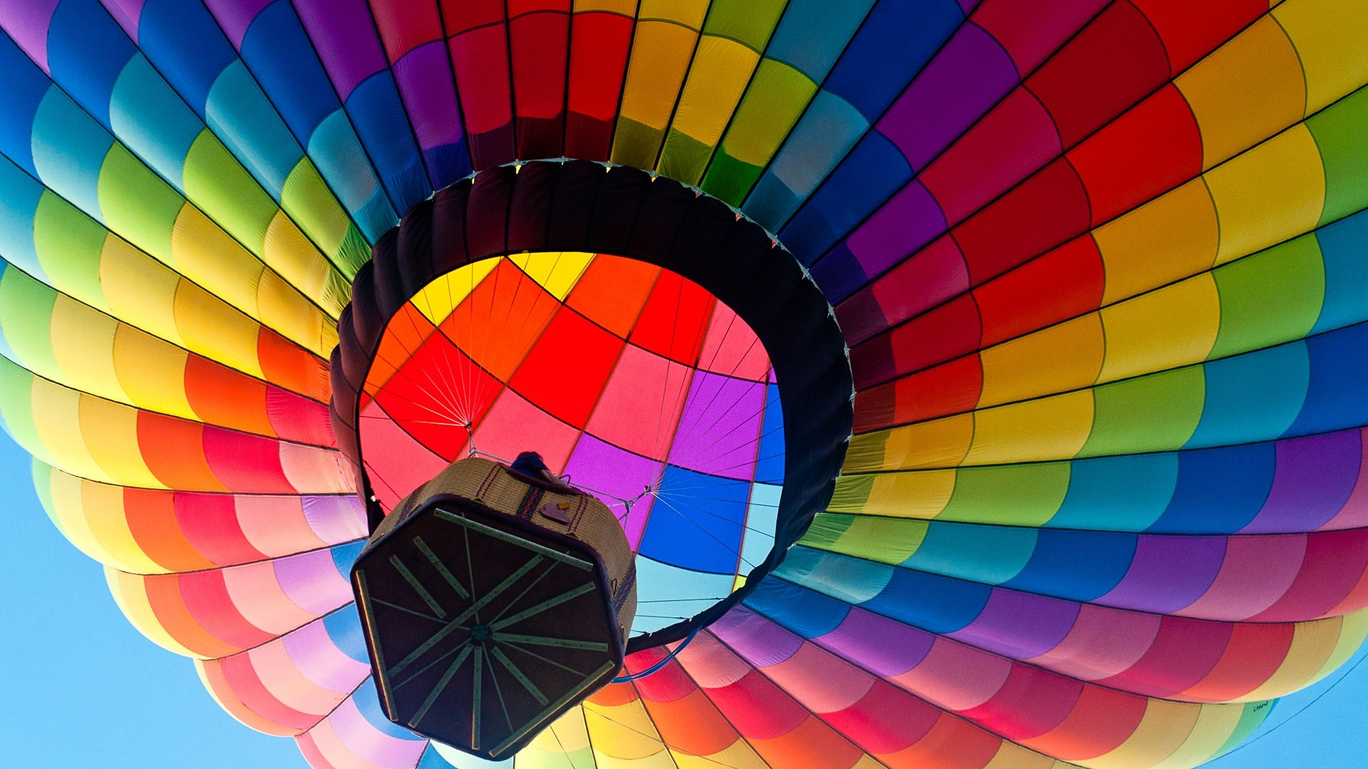 Colorful Hot Air Balloon in the Sky HD Desktop Mobile Wallpaper 1920x1080